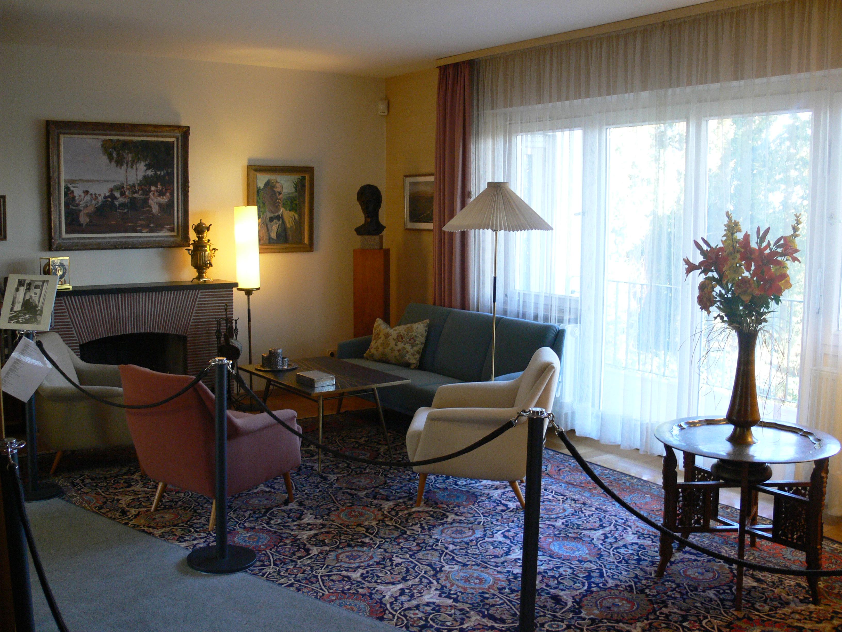 File:Heuss-Haus Wohnzimmer.jpg - Wikimedia Commons