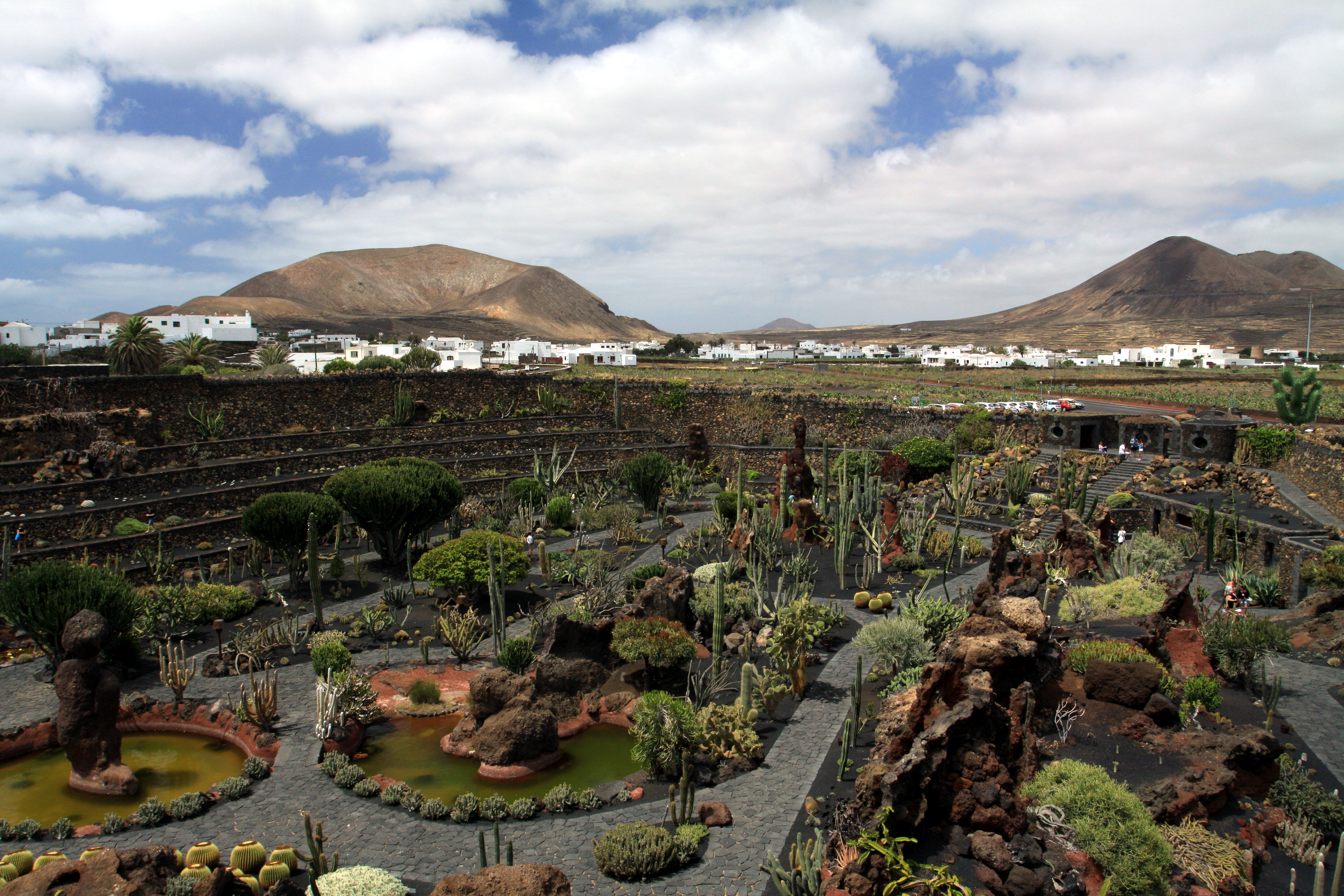 file jardin de cactus on lanzarote june 2013 2 jpg wikimedia commons. Black Bedroom Furniture Sets. Home Design Ideas