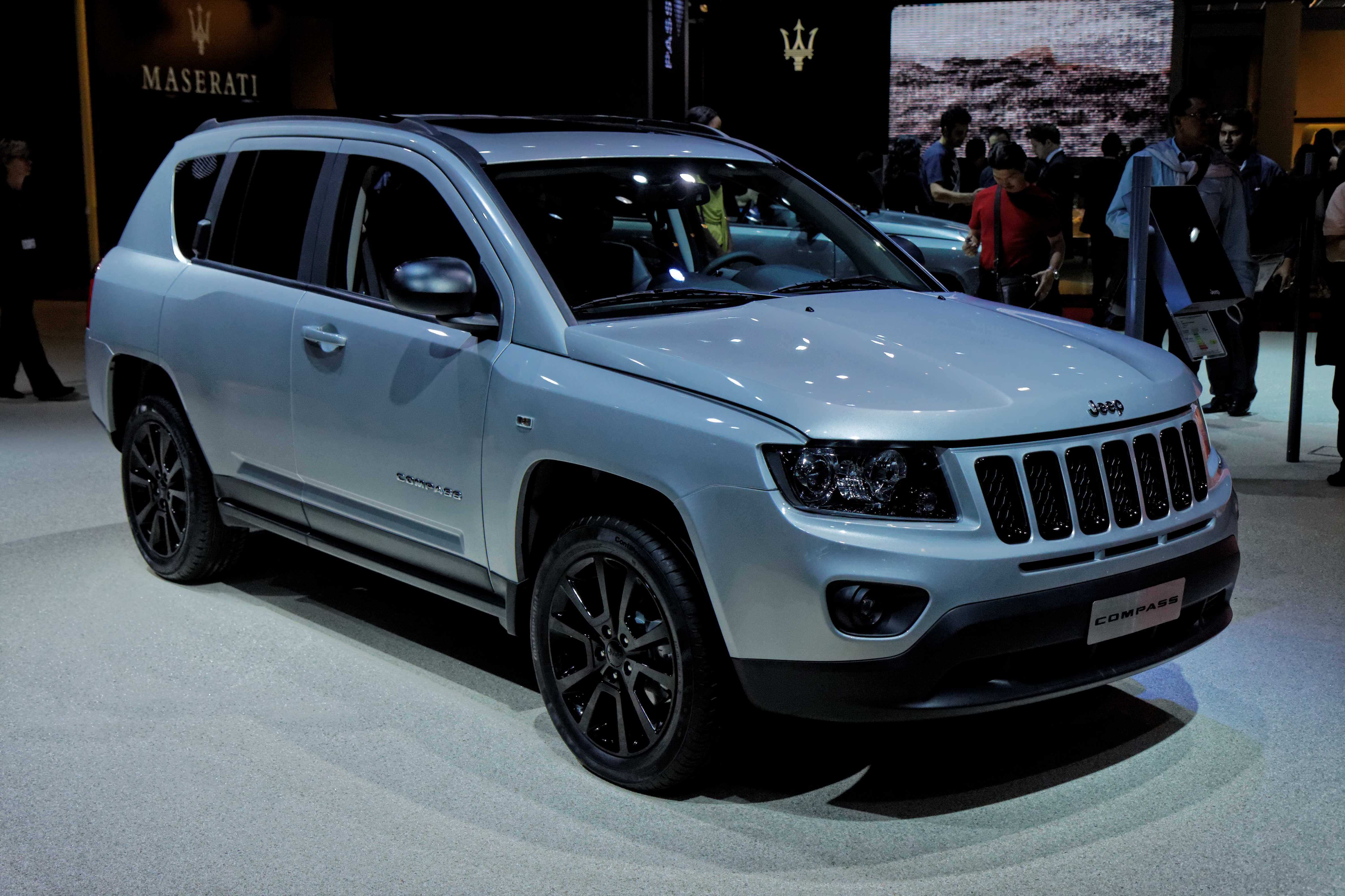file jeep compass mondial de l 39 automobile de paris 2012 wikimedia commons. Black Bedroom Furniture Sets. Home Design Ideas