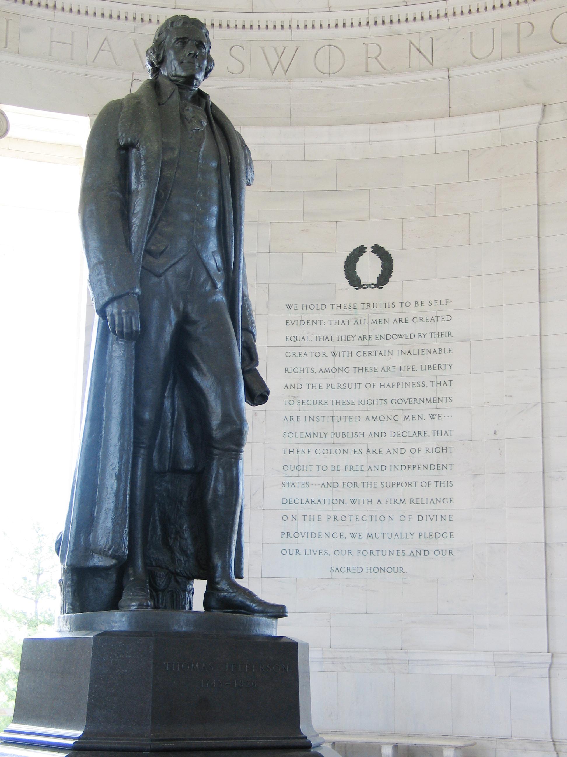 Jefferson_Memorial_with_Declaration_prea