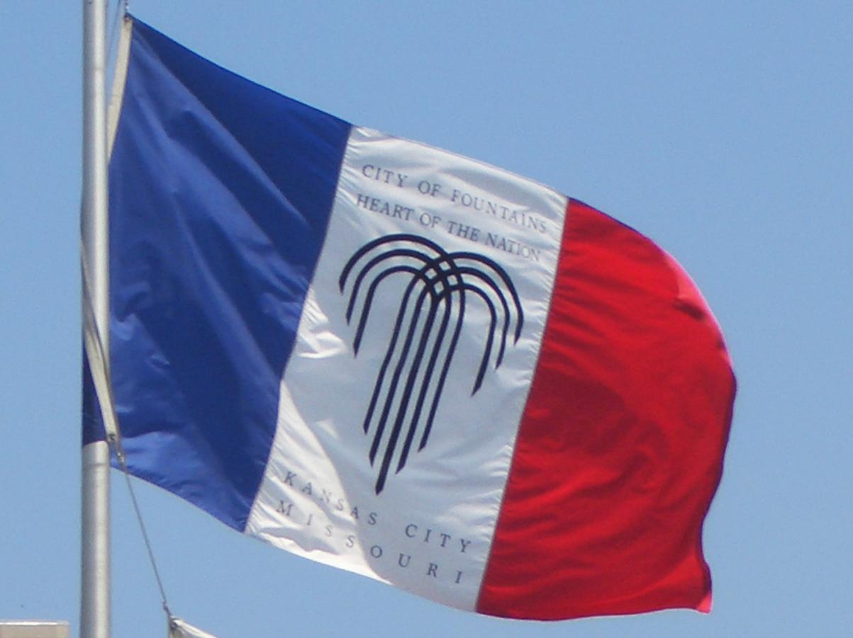 Here Upload Wikimedia Org Wikipedia Commons 0 02 Kcmo Flag At City Hall 17july2008 Jpg