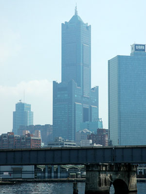 The 85 Sky Tower seen from the Love River Kaohsiung Tuntex Sky Tower.jpg