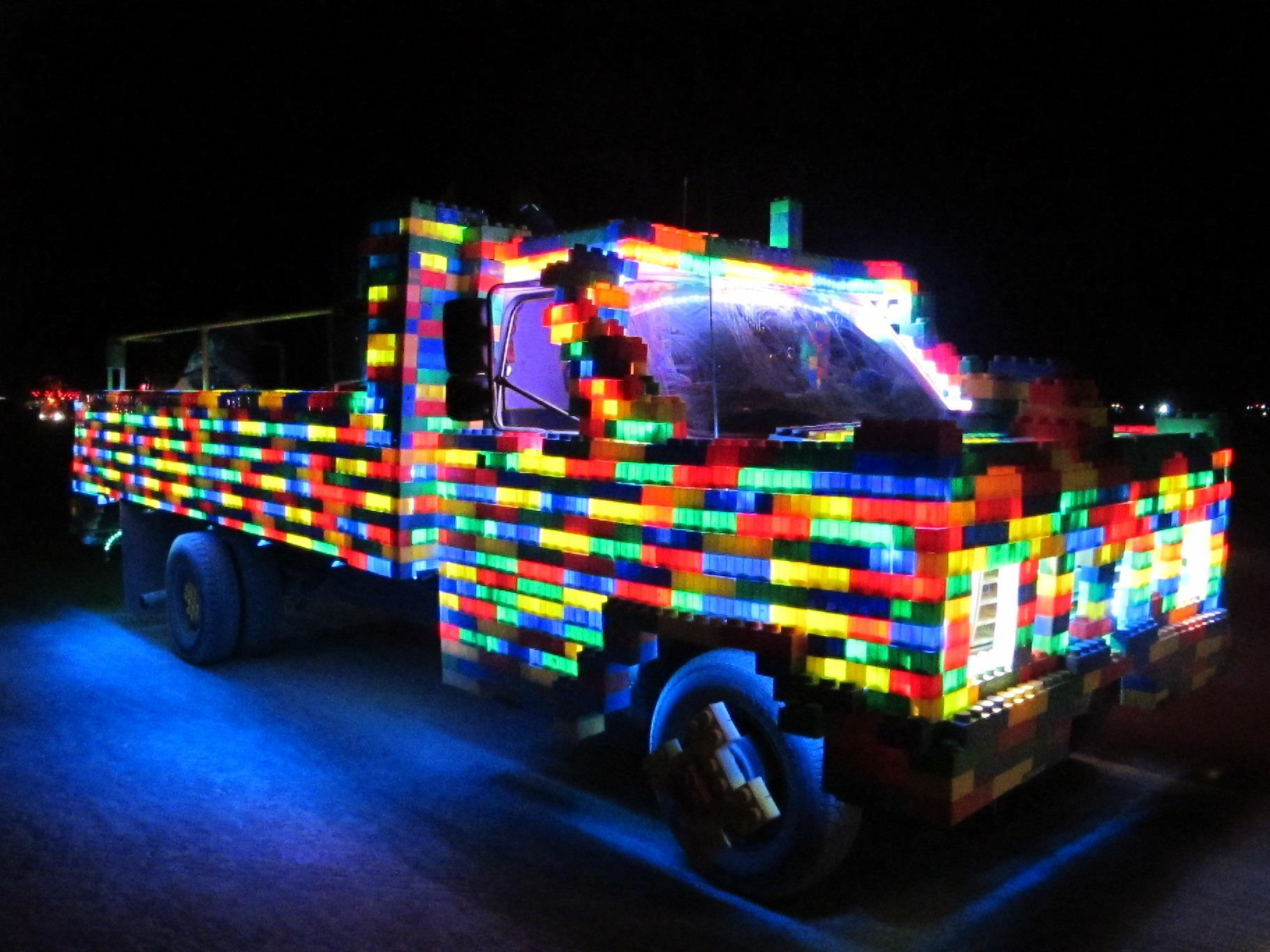 e05c5d8f06 File LEGO Truck Burning Man 2011 Night.jpg - Wikimedia Commons