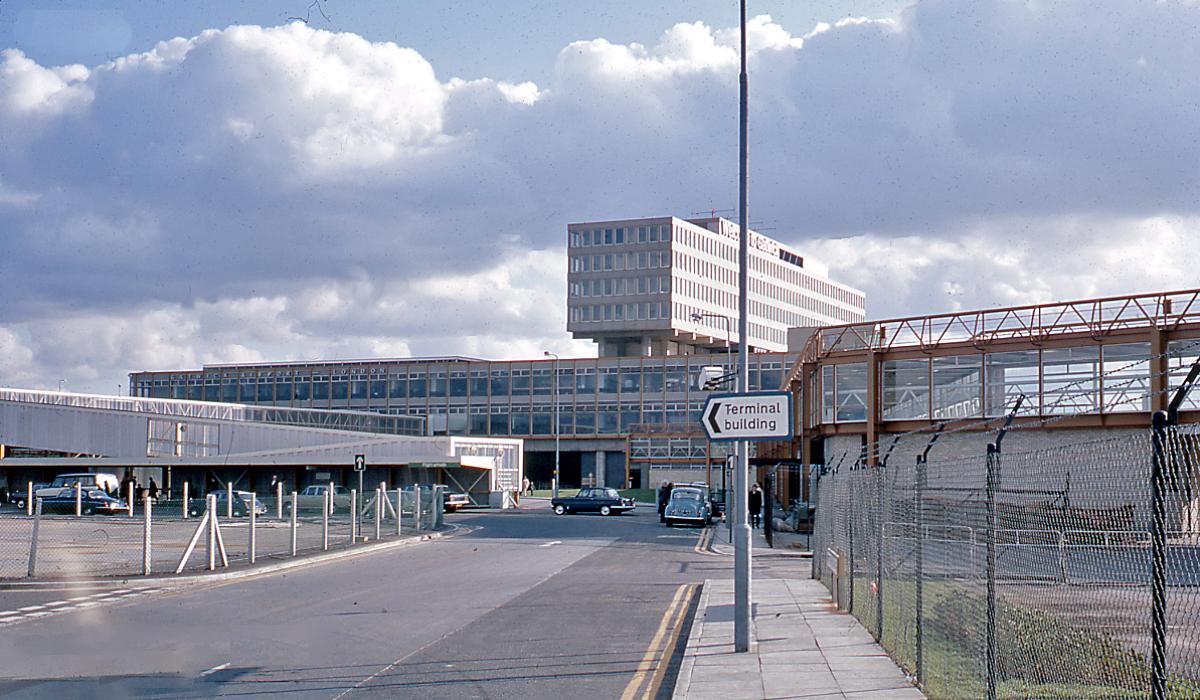 Heathrow arrivals live flight information