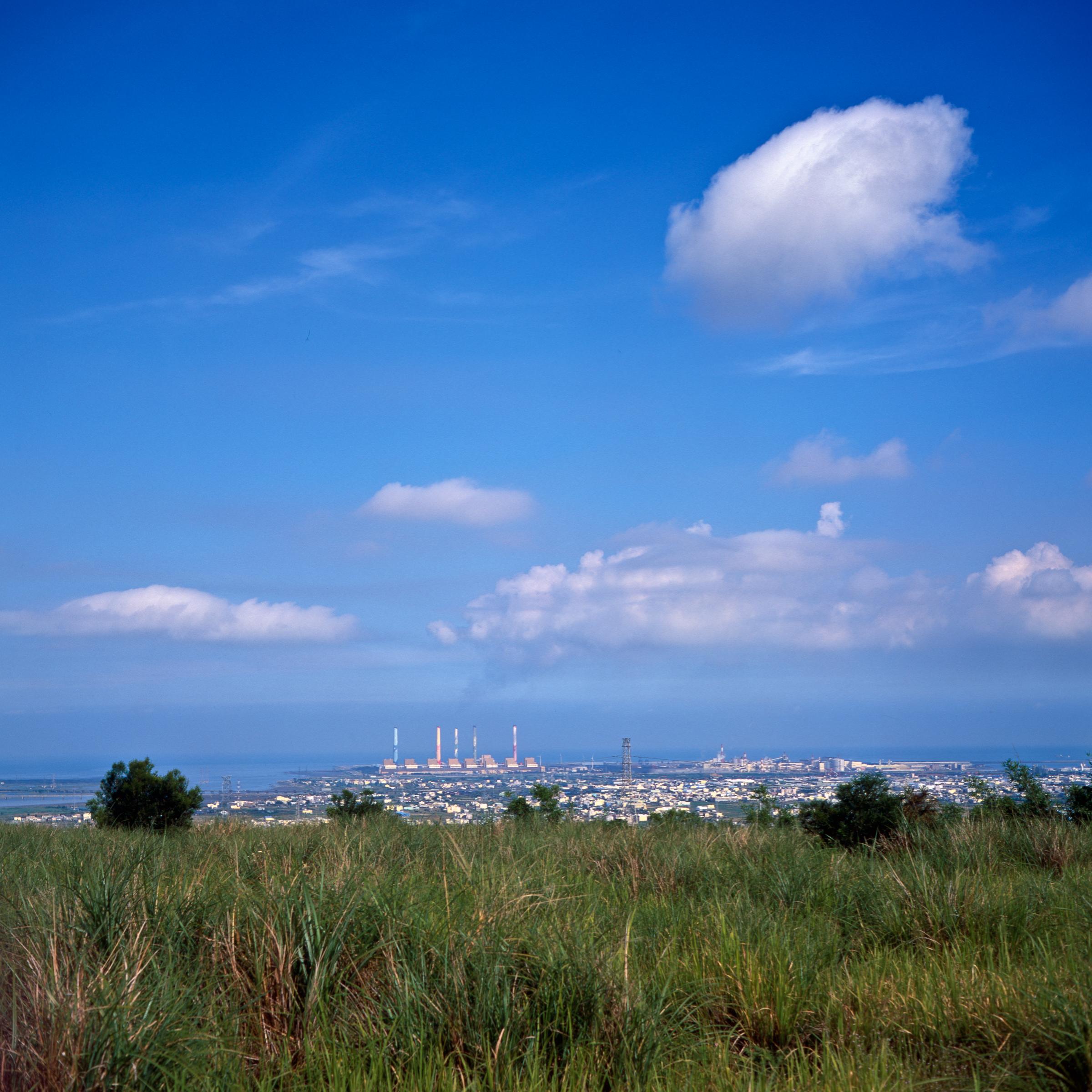 File:Looking west over the coastal plain at Longjing from Dadu Plateau.jpg