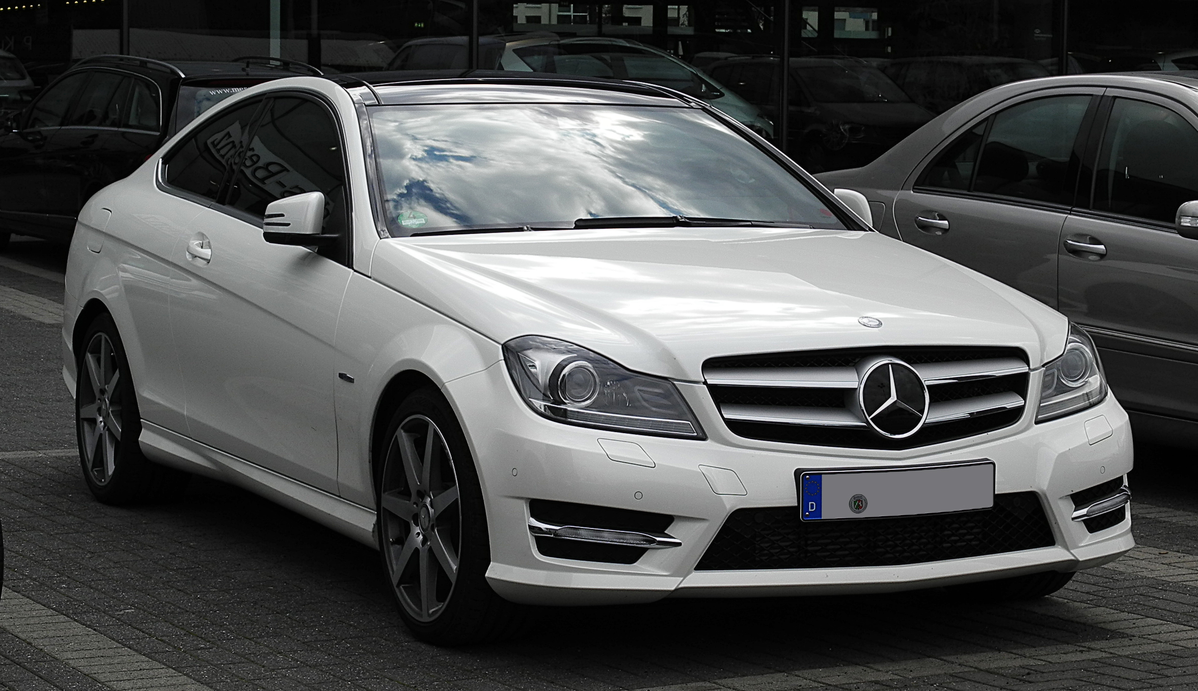 Description Mercedes-Benz C 250 CDI BlueEFFICIENCY Coupé Edition 1 (C