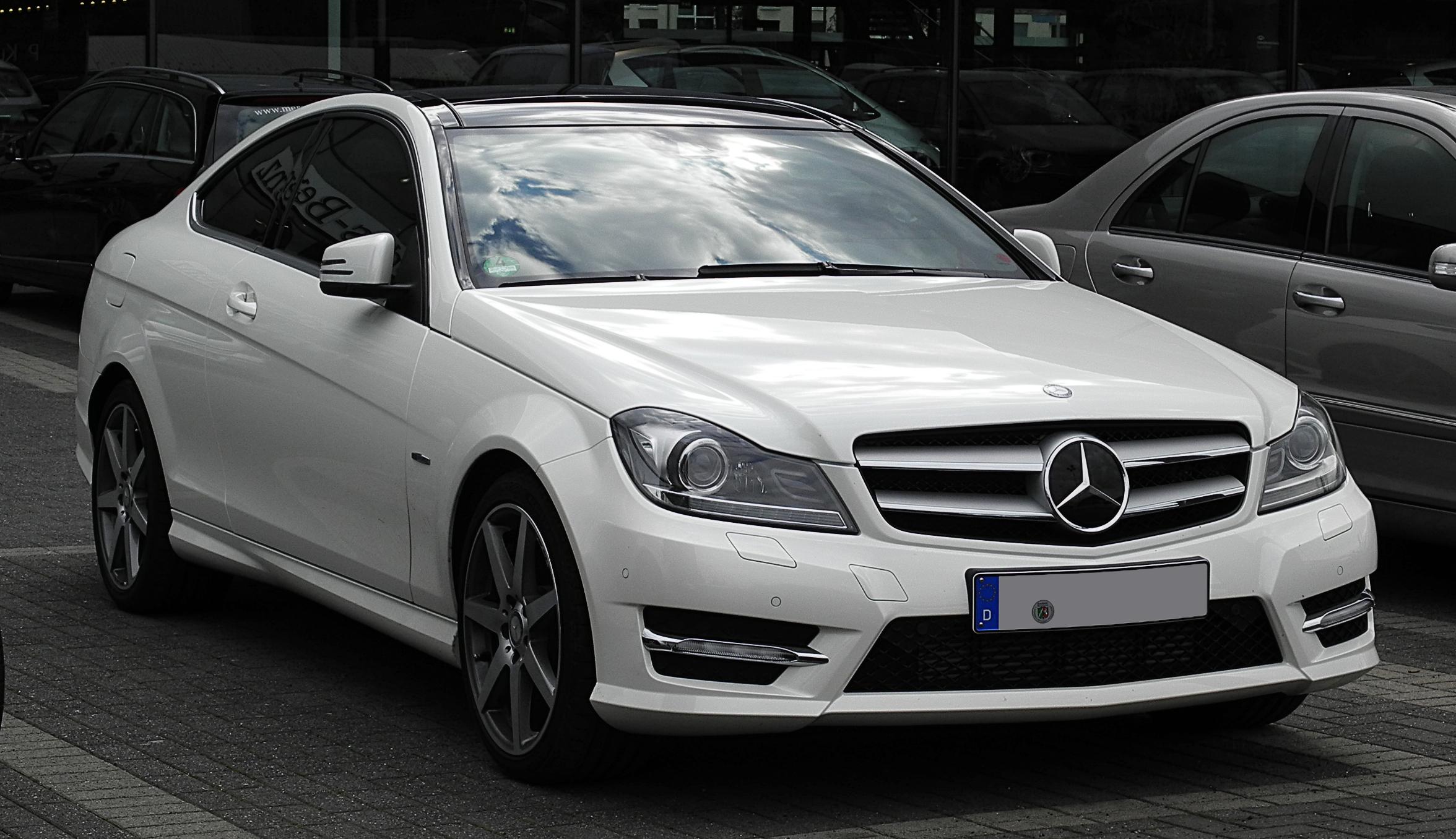 Brendovi  Mercedes-Benz_C_250_CDI_BlueEFFICIENCY_Coup%C3%A9_Edition_1_(C_204)_%E2%80%93_Frontansicht,_2._Juli_2011,_D%C3%BCsseldorf