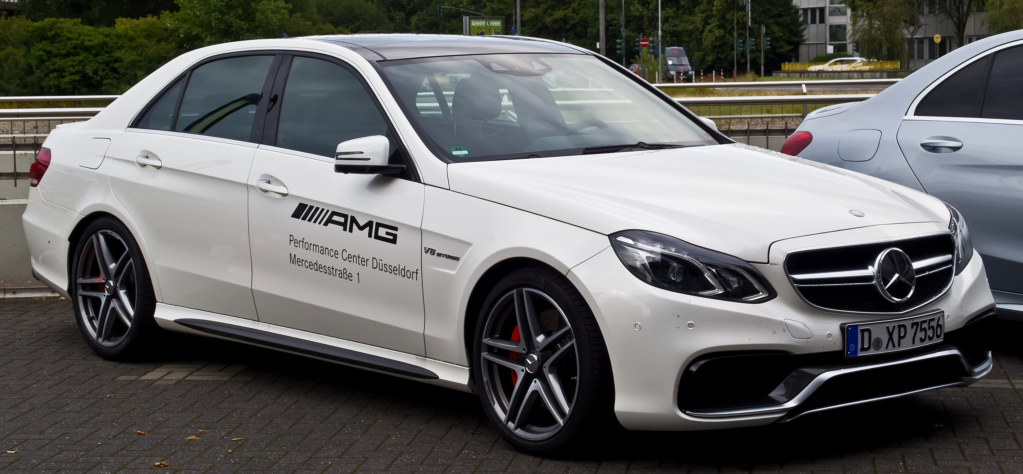 File mercedes benz e 63 amg s 4matic w 212 facelift for Mercedes benz wiki