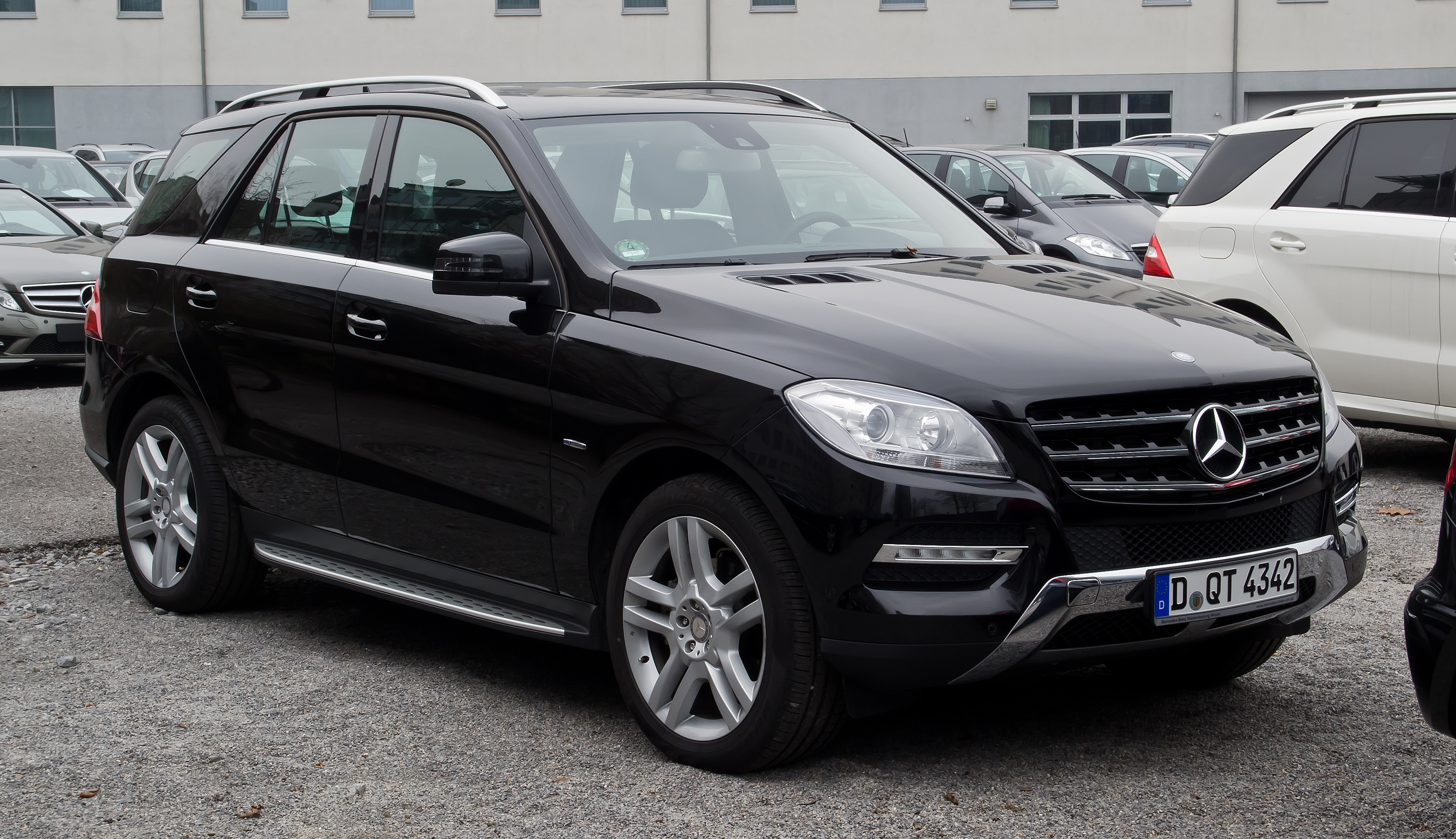 File mercedes benz ml 350 bluetec w 166 frontansicht for 2012 mercedes benz suv