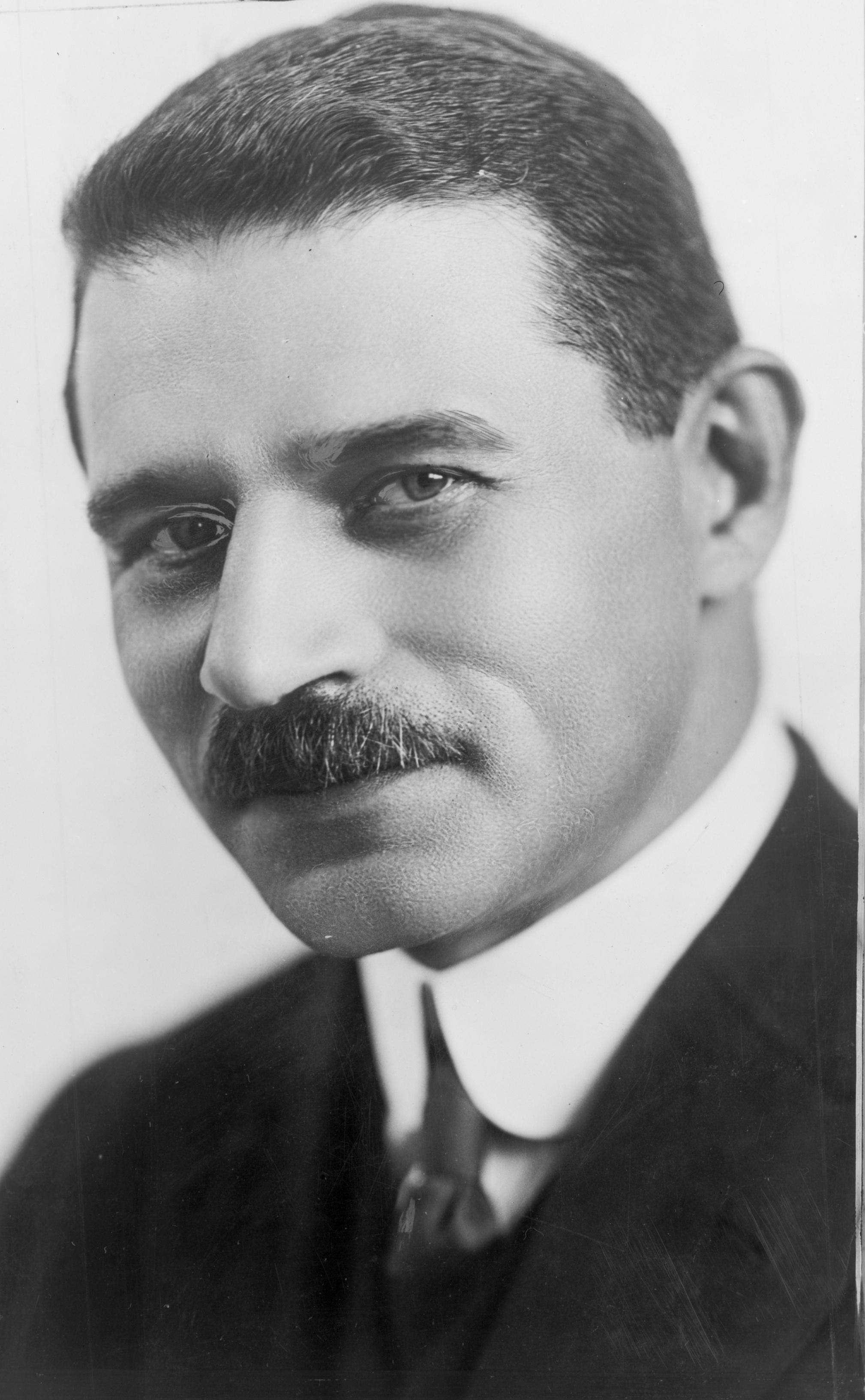 Morris Hillquit (1869-1933).
