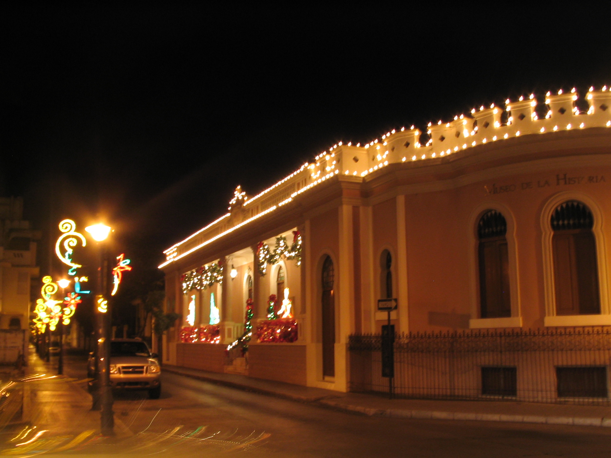filemuseo de la historia de ponce christmas lights ponce puerto ricojpg - Puerto Rico Christmas