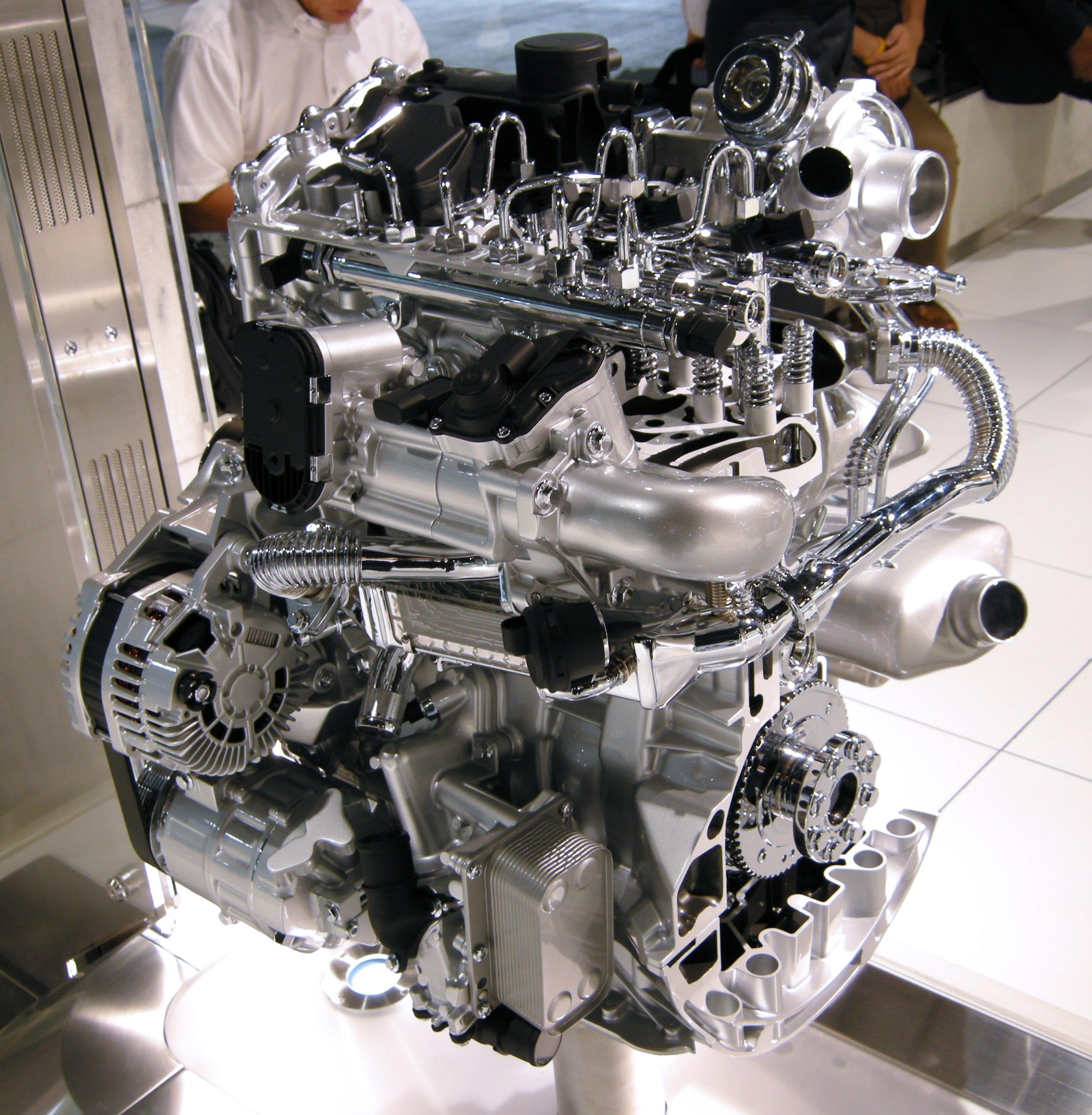 Description Nissan M9R Engine 03.JPG