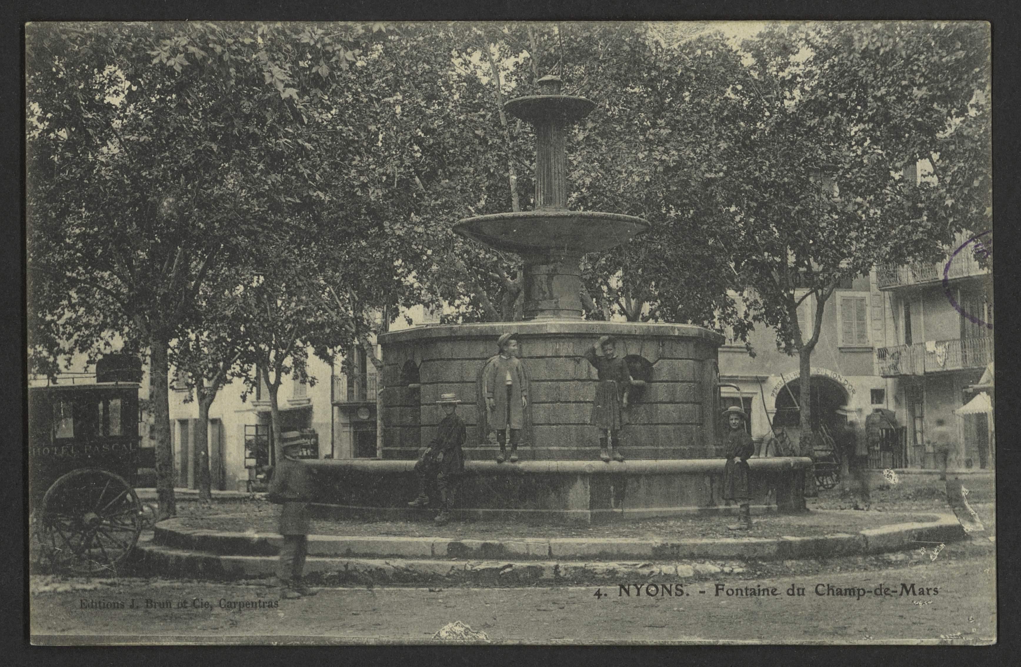 File:Nyons - Fontaine du champs-de-Mars (34569912145).jpg ...