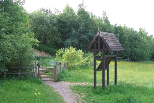 Orientation-interpretation point, western entrance to Daventry Country Park - geograph.org.uk - 1431672