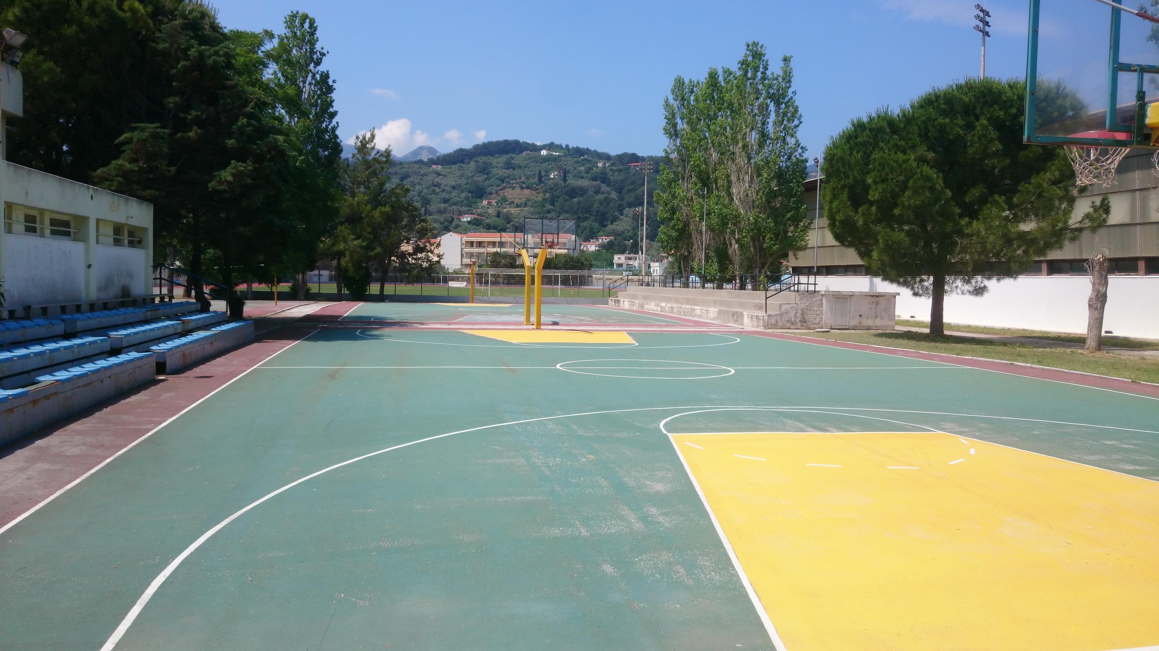 File:Outdoor Basketball Court In Karlovasi, Samos