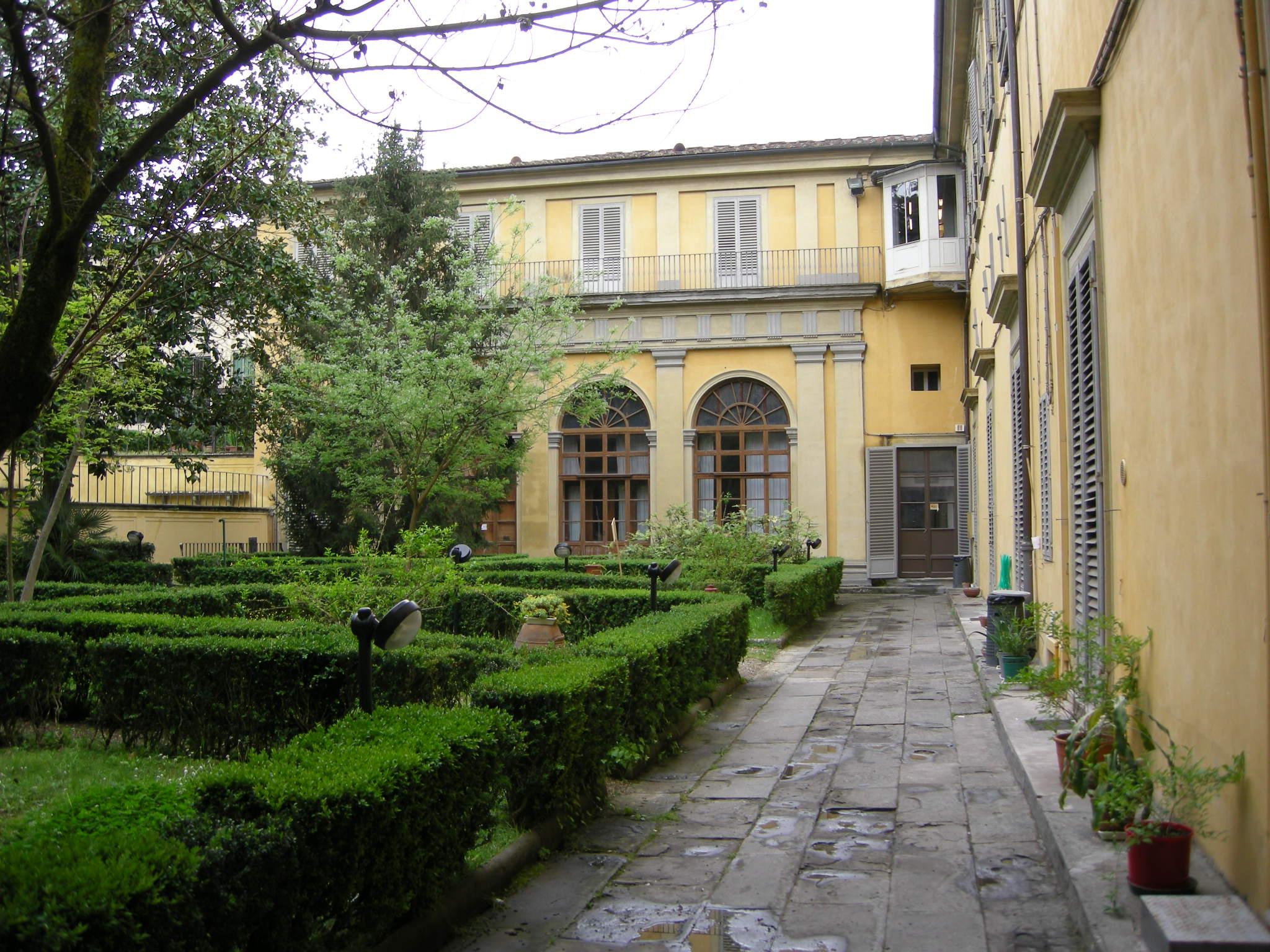File palazzo torrigiani specola giardino 04 jpg for Giardino torrigiani