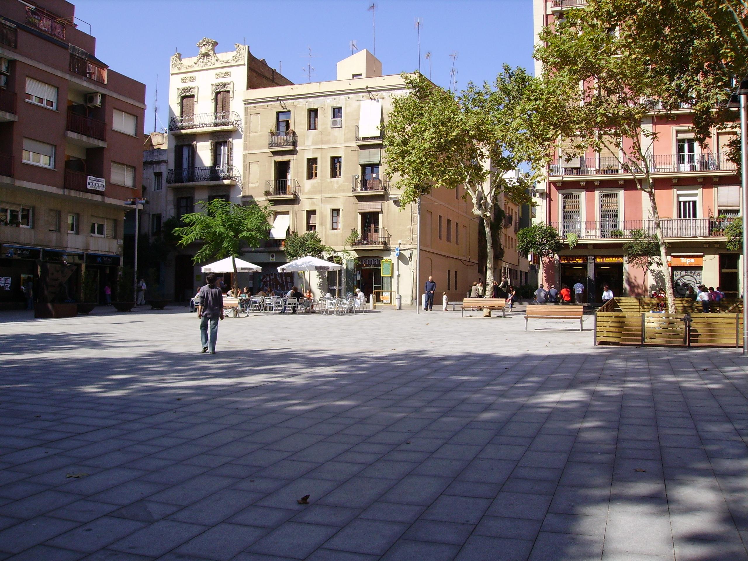 Plaça del Diamant-  Source: wikipedia  Aut: 1997