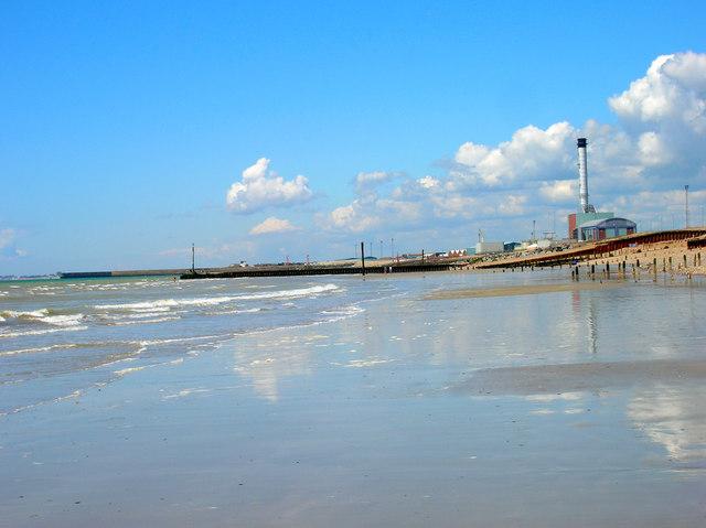 Portslade Beach - geograph.org.uk - 488927