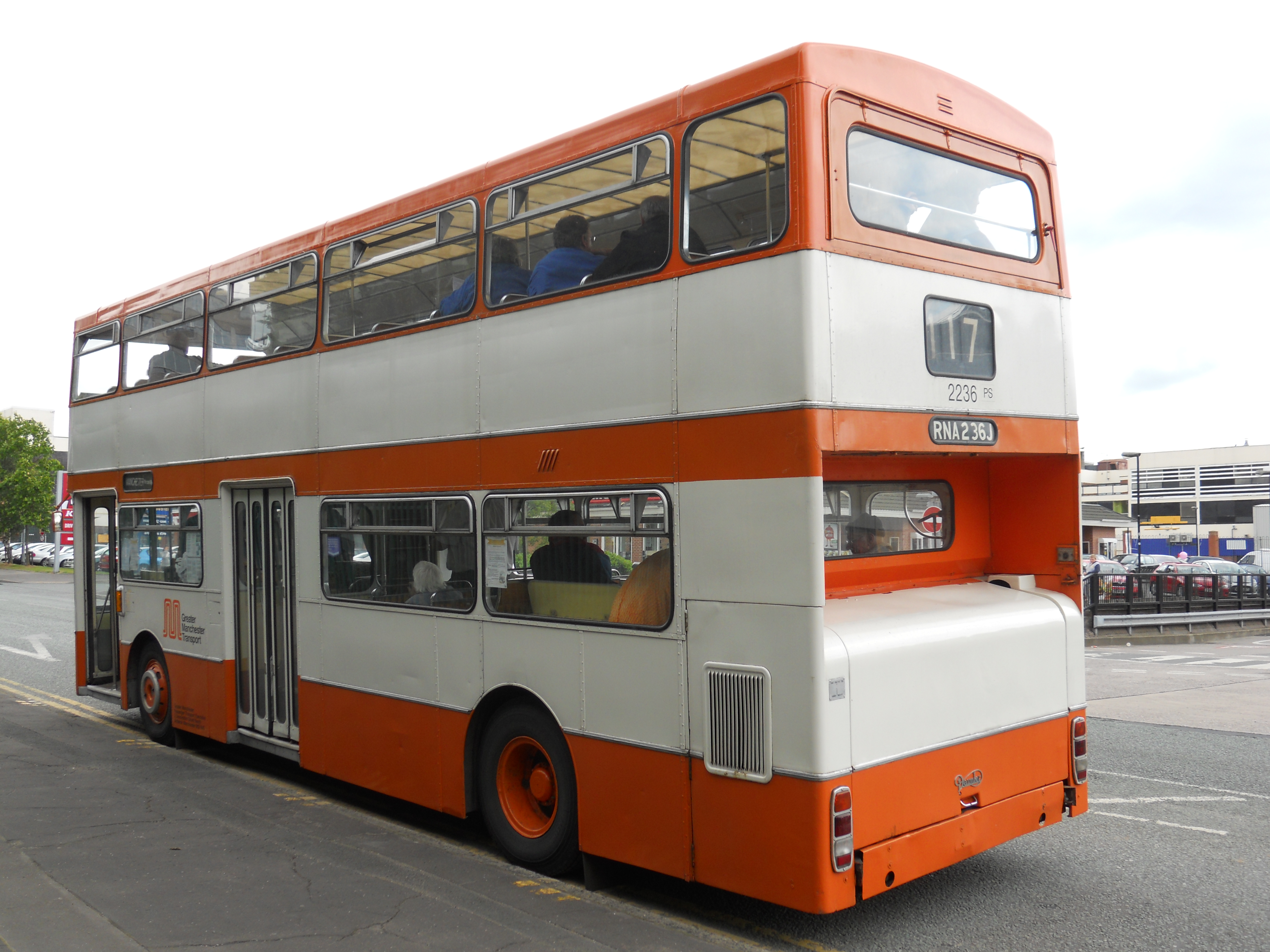 File:Preserved Greater Manchester Transport bus 2236 (RNA 236J) 1971  Daimler Fleetline Park