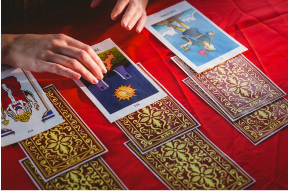 Tarot card reading - Wikipedia