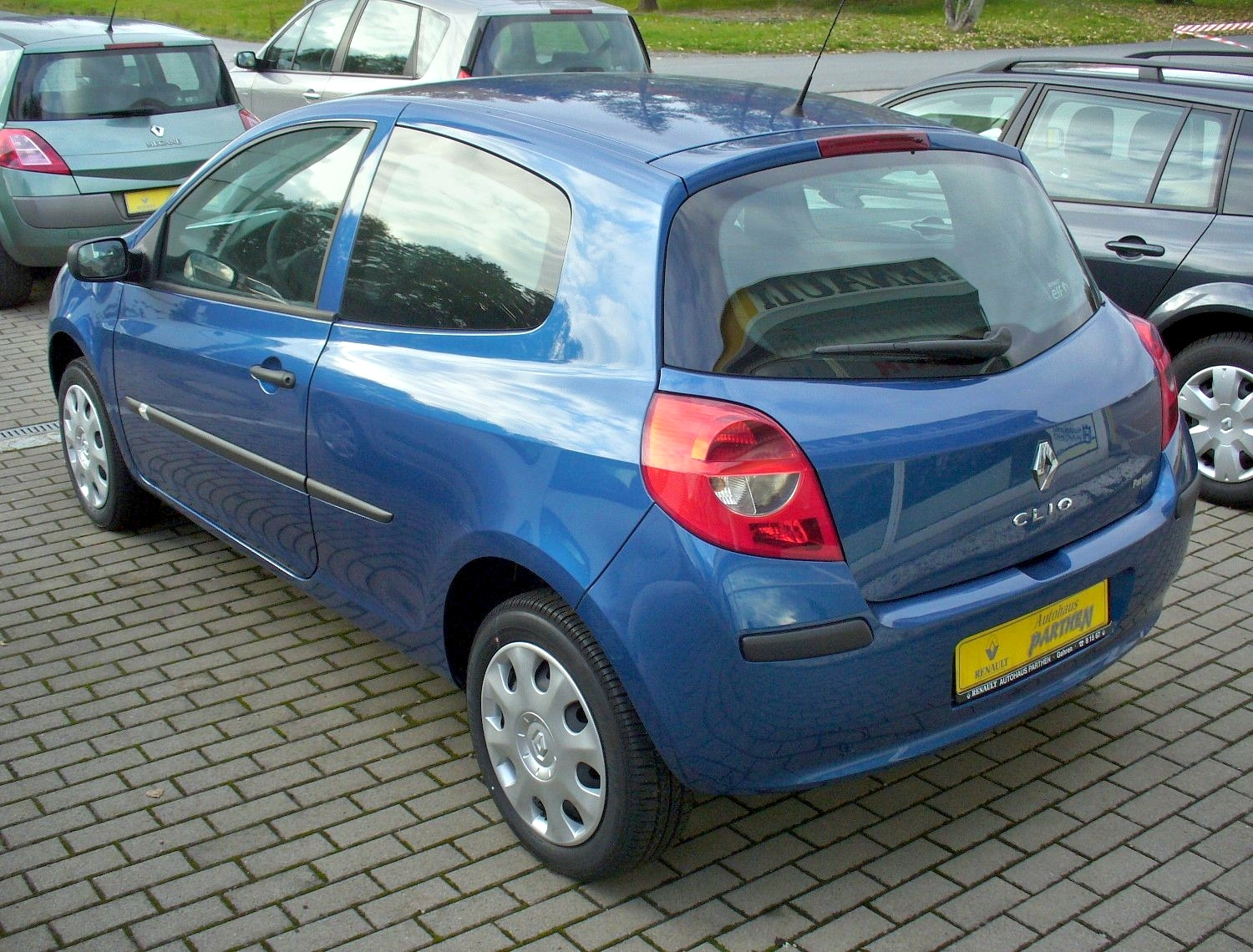 file renault clio iii phase i dreit rer 2 1 2 16v heck jpg wikimedia commons