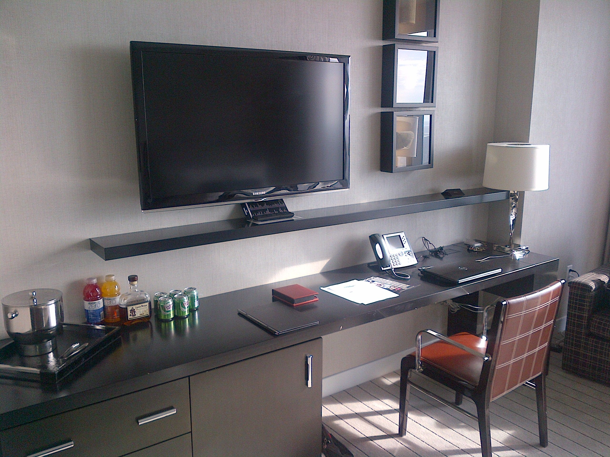 File:Revel Atlantic City hotel room.jpg - Wikimedia Commons