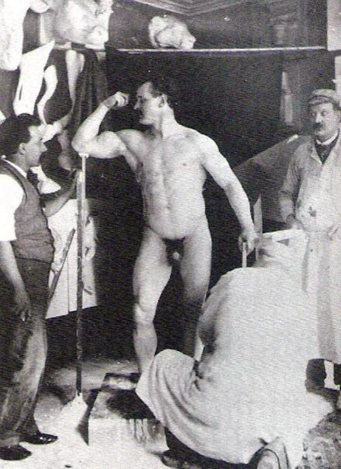 Sandow, Eugene (Friedrich Mueller, 1867-1925) - preparato per un calco.jpg