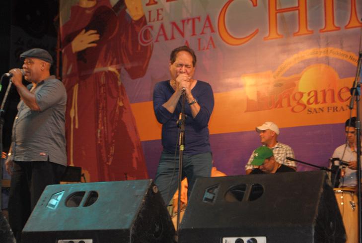 El cantautor Ricardo Portillo en el Amanecer Gaitero de 2012