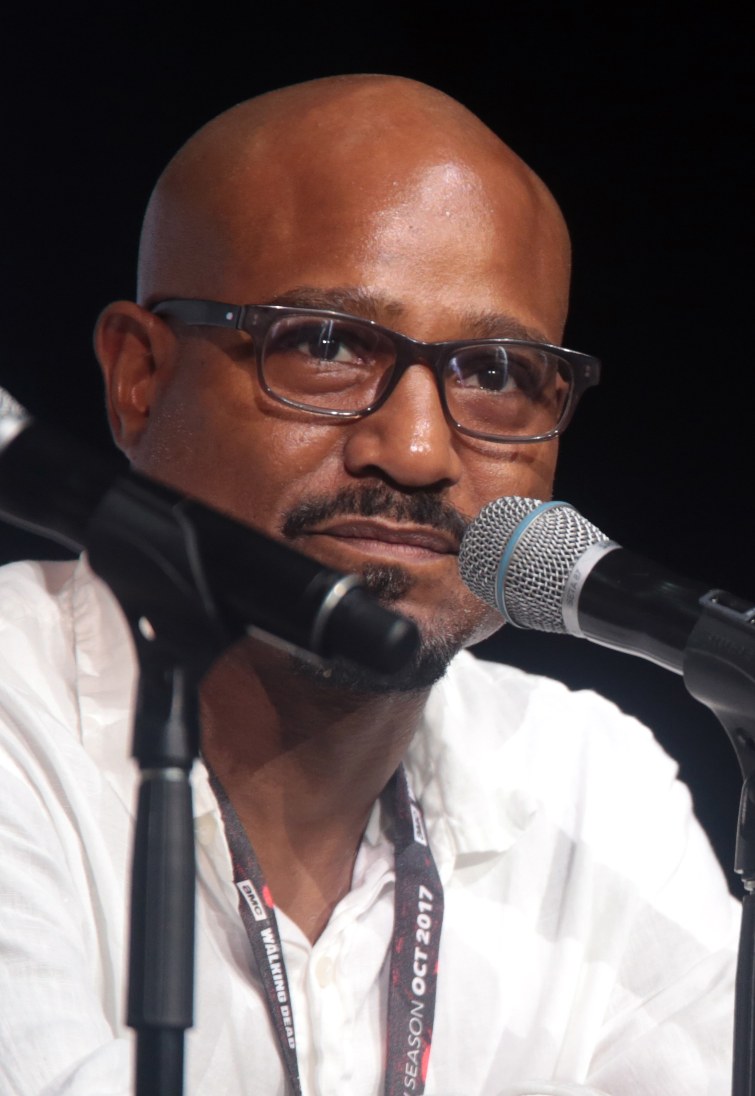 The 49-year old son of father (?) and mother(?) Seth Gilliam in 2018 photo. Seth Gilliam earned a  million dollar salary - leaving the net worth at 1.5 million in 2018
