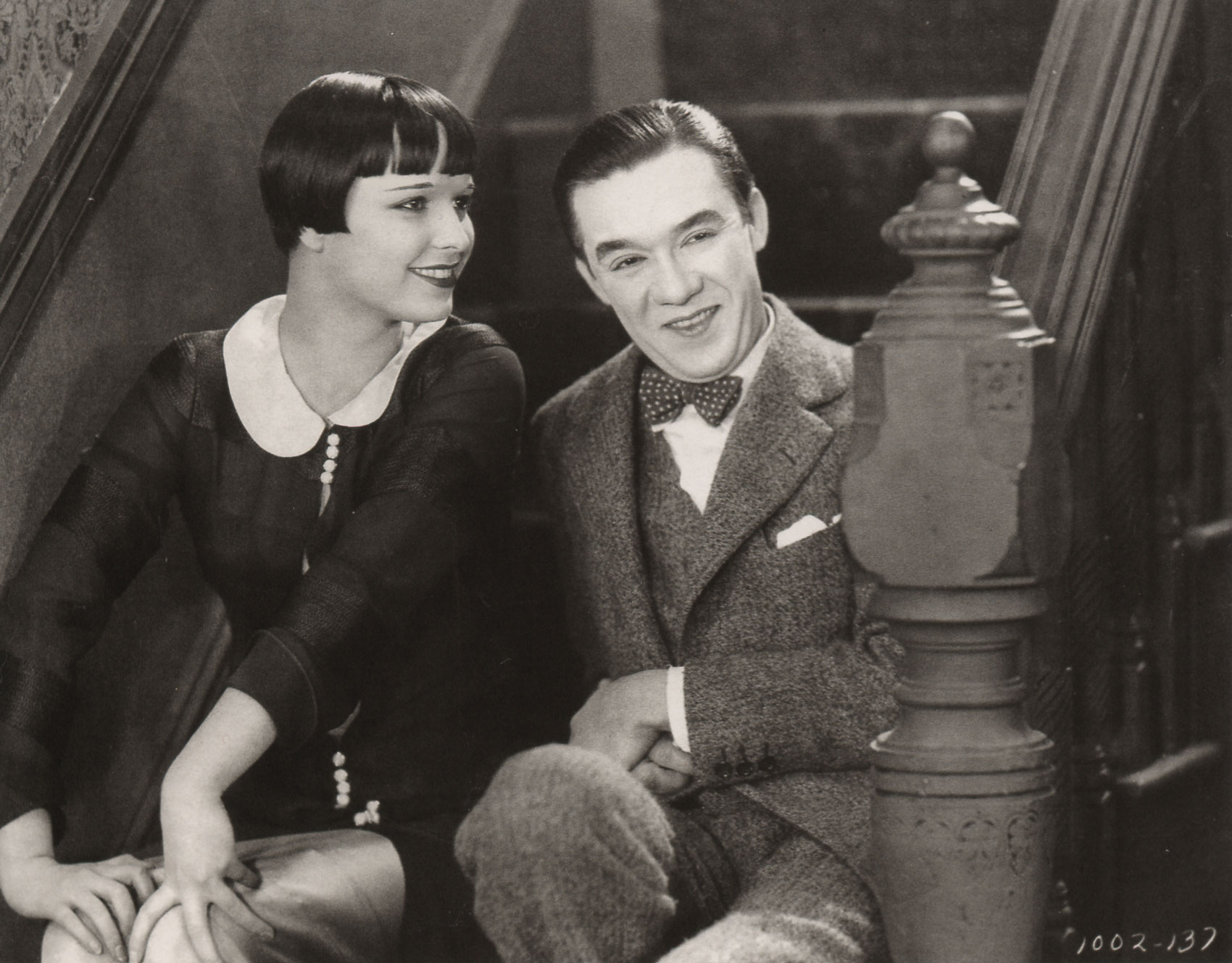 Louise Brooks (links) in de film The Show Off (1926)