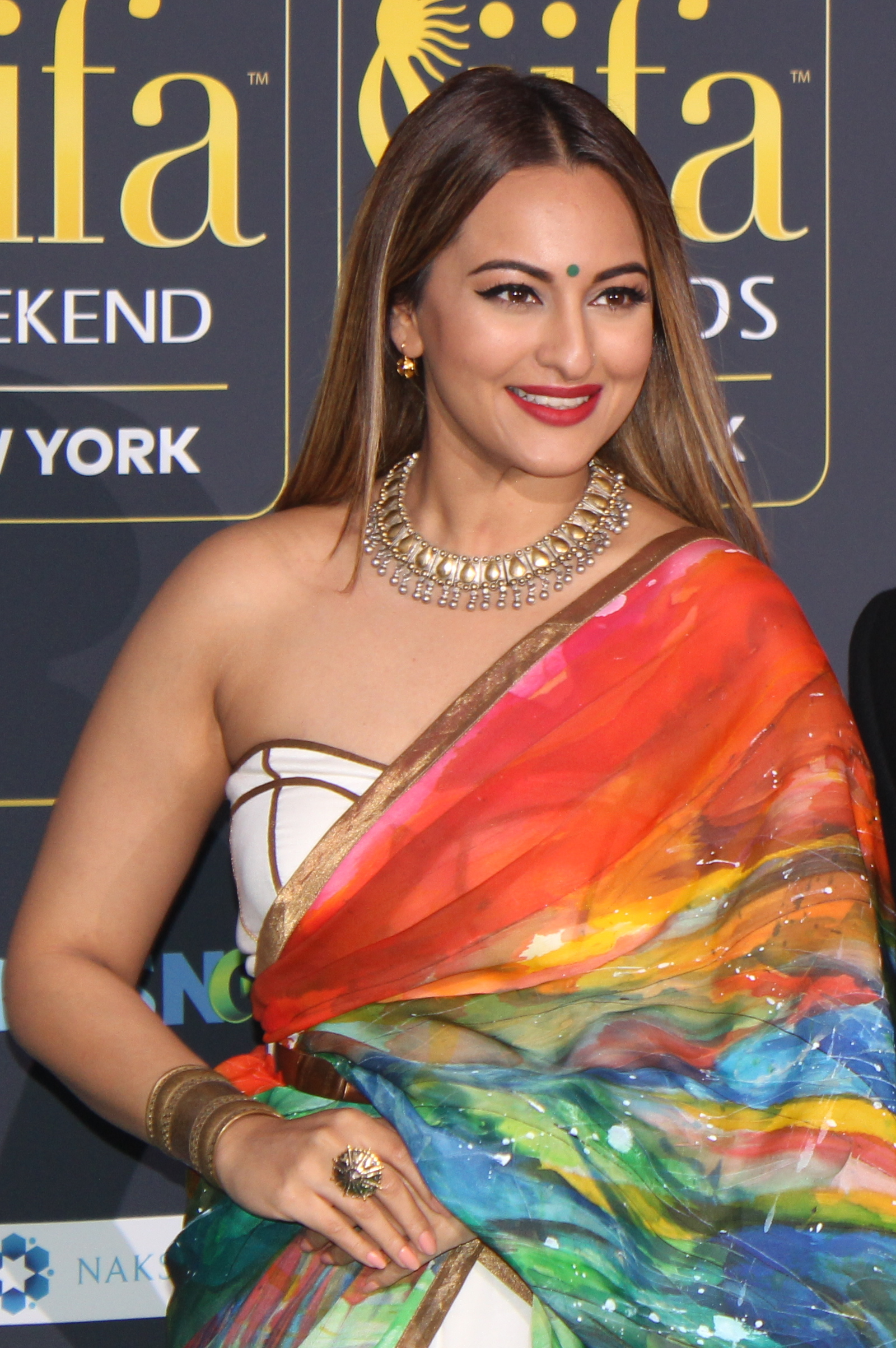 The 31-year old daughter of father Shatrughan Sinha and mother Poonam Sinha Sonakshi Sinha in 2018 photo. Sonakshi Sinha earned a  million dollar salary - leaving the net worth at 2 million in 2018
