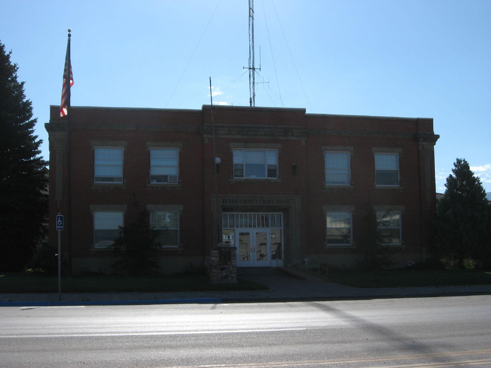 Description Teton County Courthouse, Driggs, Idaho.jpg