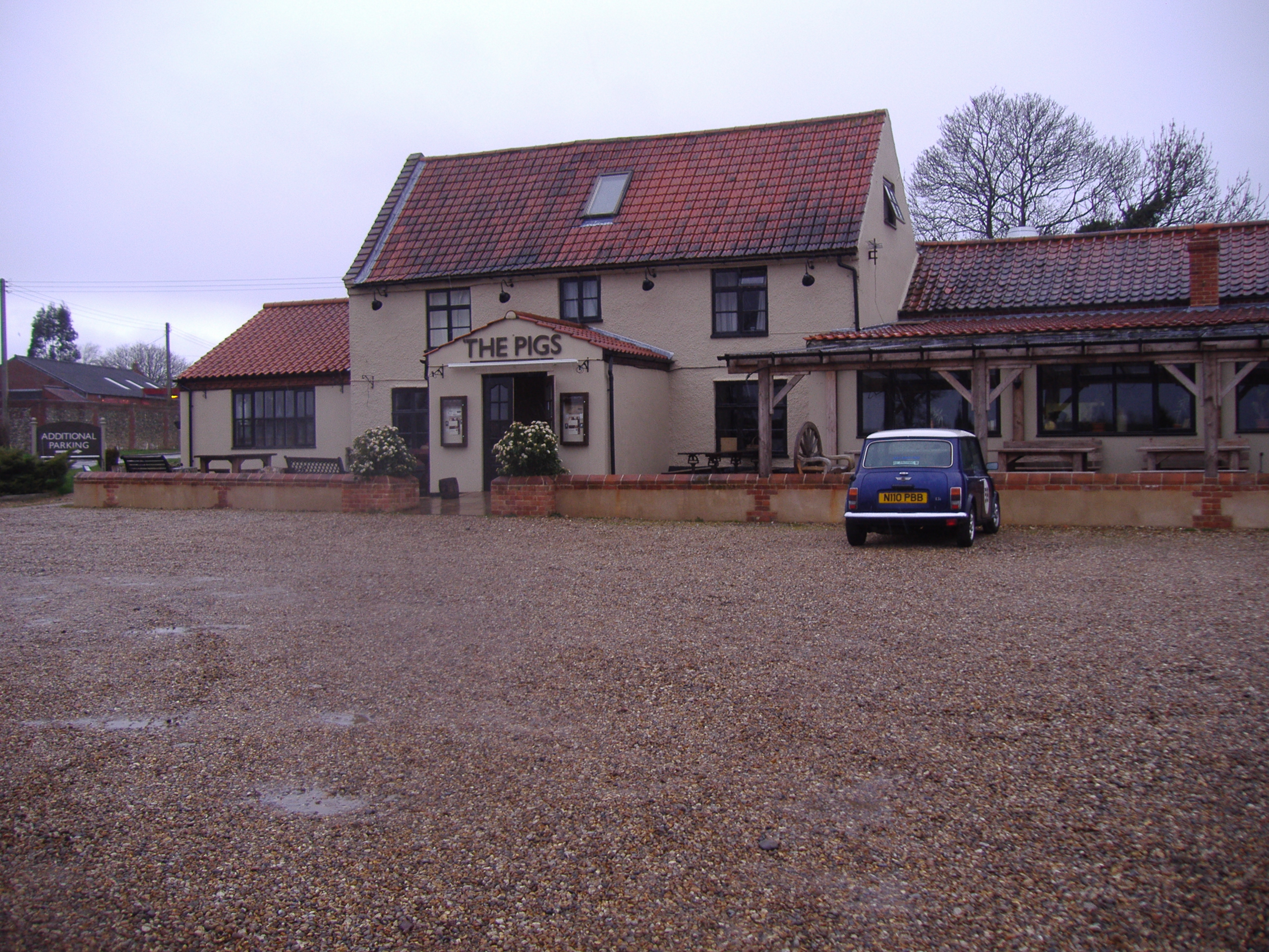 FileThe Pigs public house Edgefield Norfolk th March