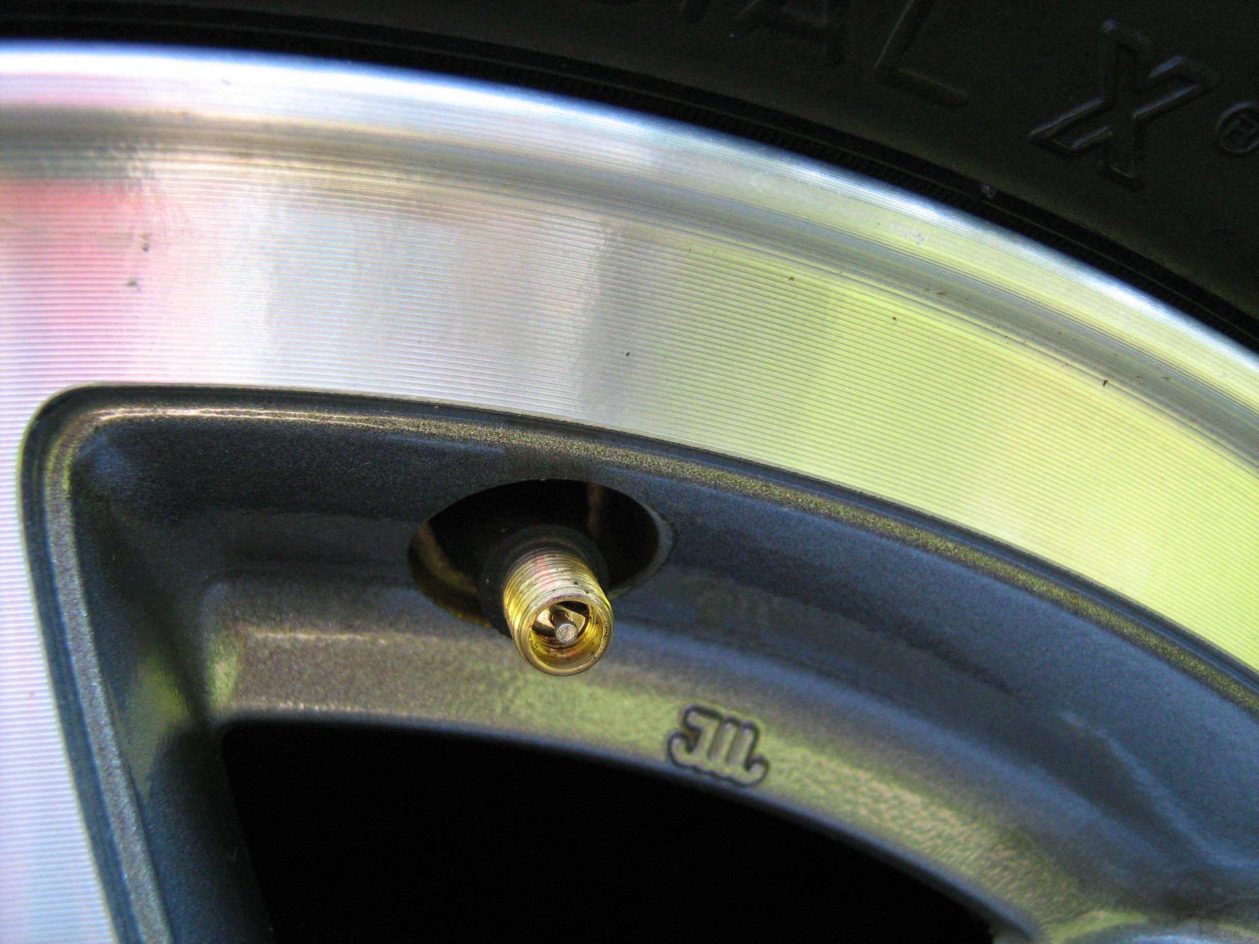 Parts Of A Car Tire Cap