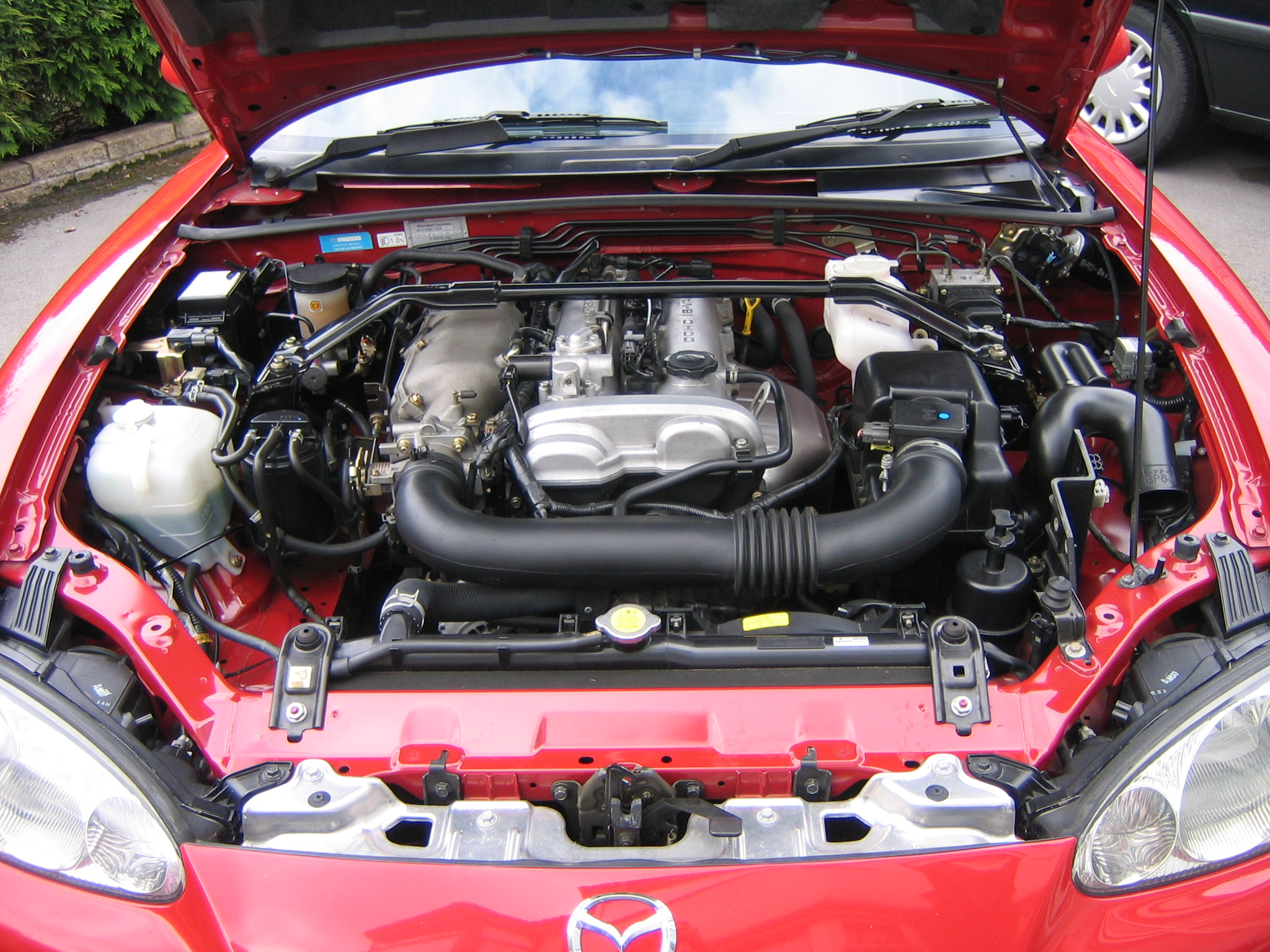 Description 2002 Mazda MX5 NB Mk2 Sport1,840cc 4-cylinder DOHC engine