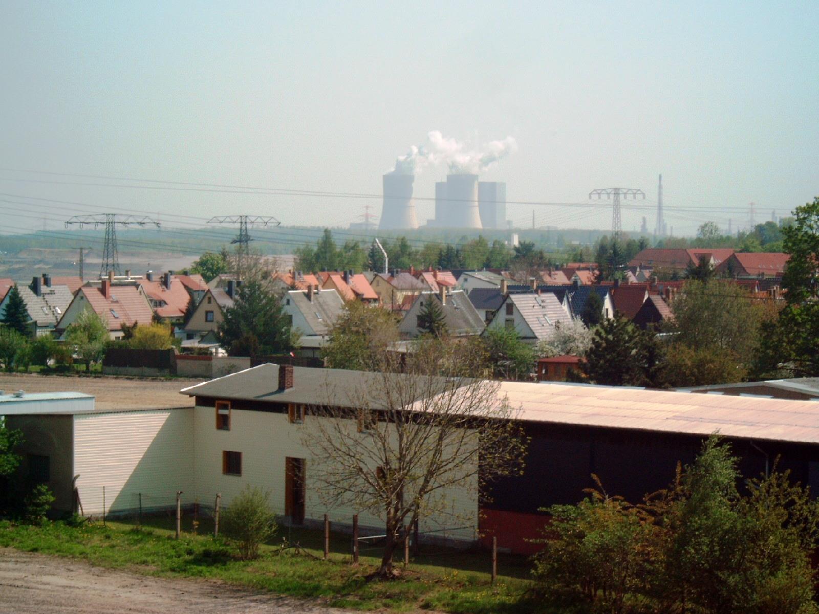 datei5 mai 2006 zwenkau mit kraftwerk b246hlenjpg