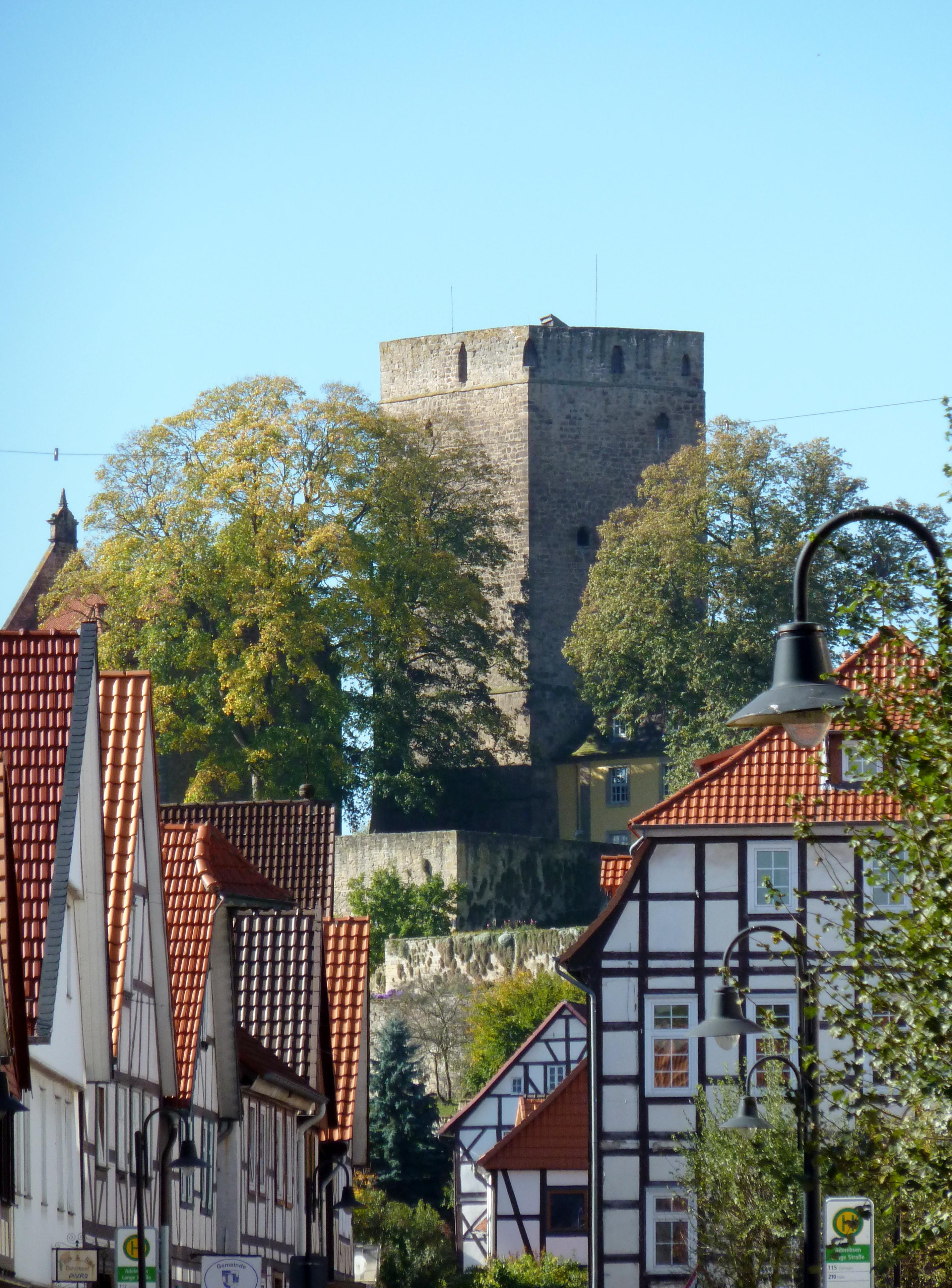 File Adelebsen Burg 02 Jpg Wikimedia Commons