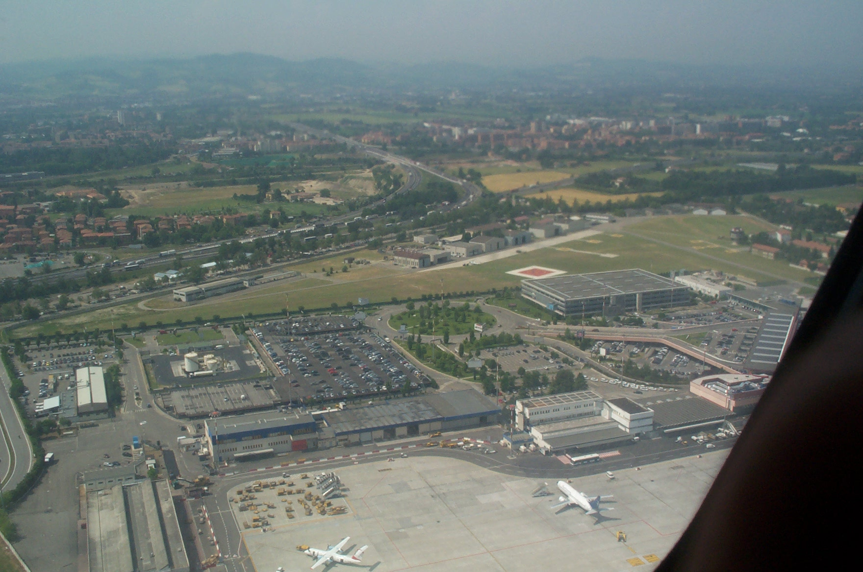 Aeroporto Guglielmo Marconi : Aeroporto guglielmo marconi di bologna wikiwand