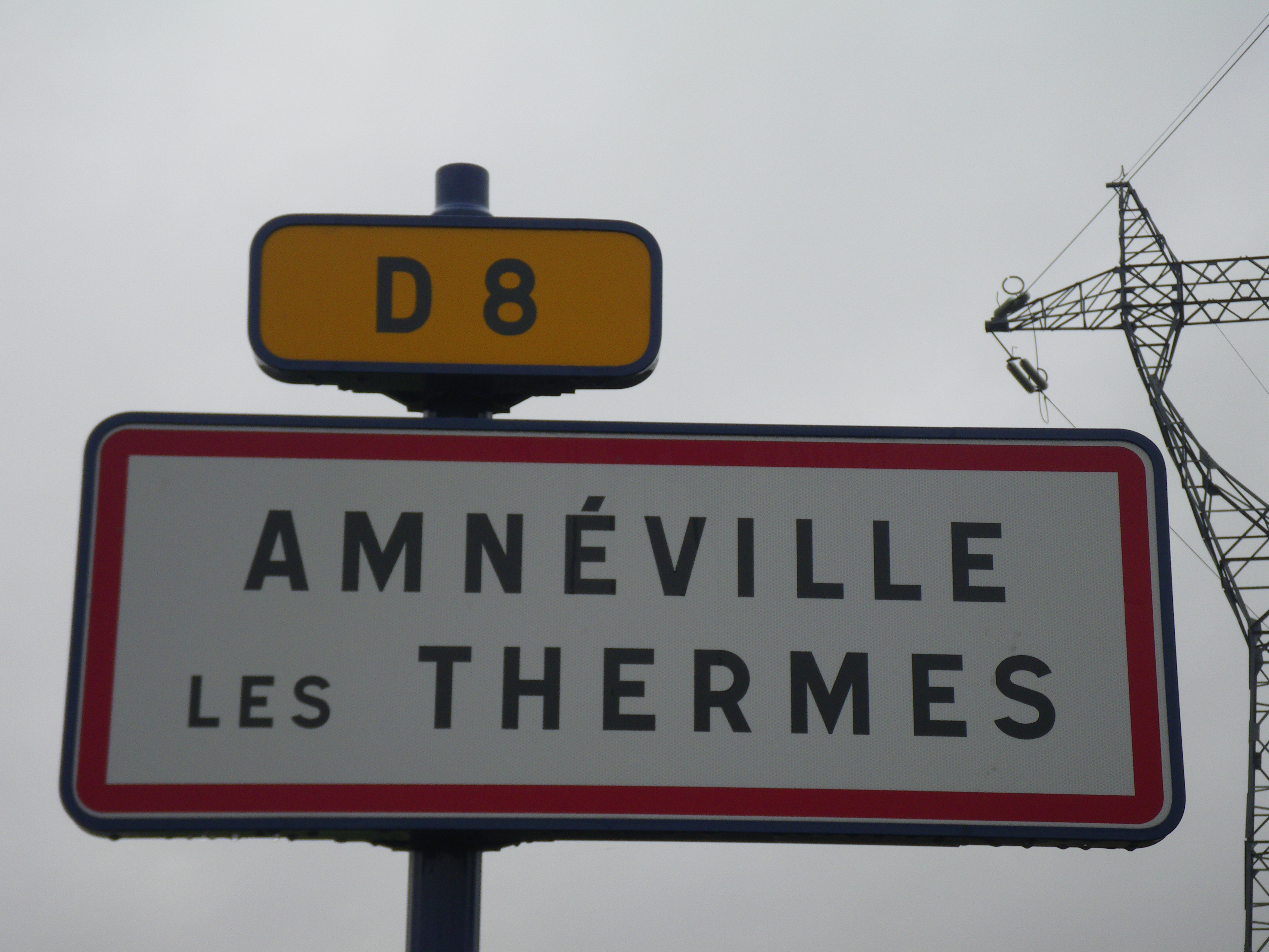 File amn ville road sign amn ville les thermes jpg for Amneville les thermes piscine
