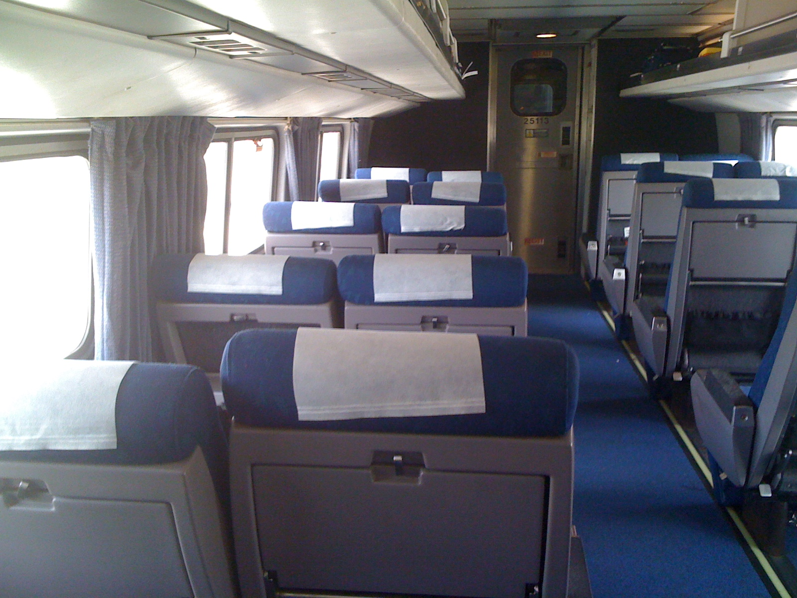 File:Amtrak Amfleet coach interior.jpg - Wikimedia Commons