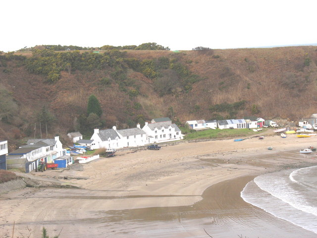 Apartments, cottages and beach huts at Porth Nefyn - geograph.org.uk - 653784