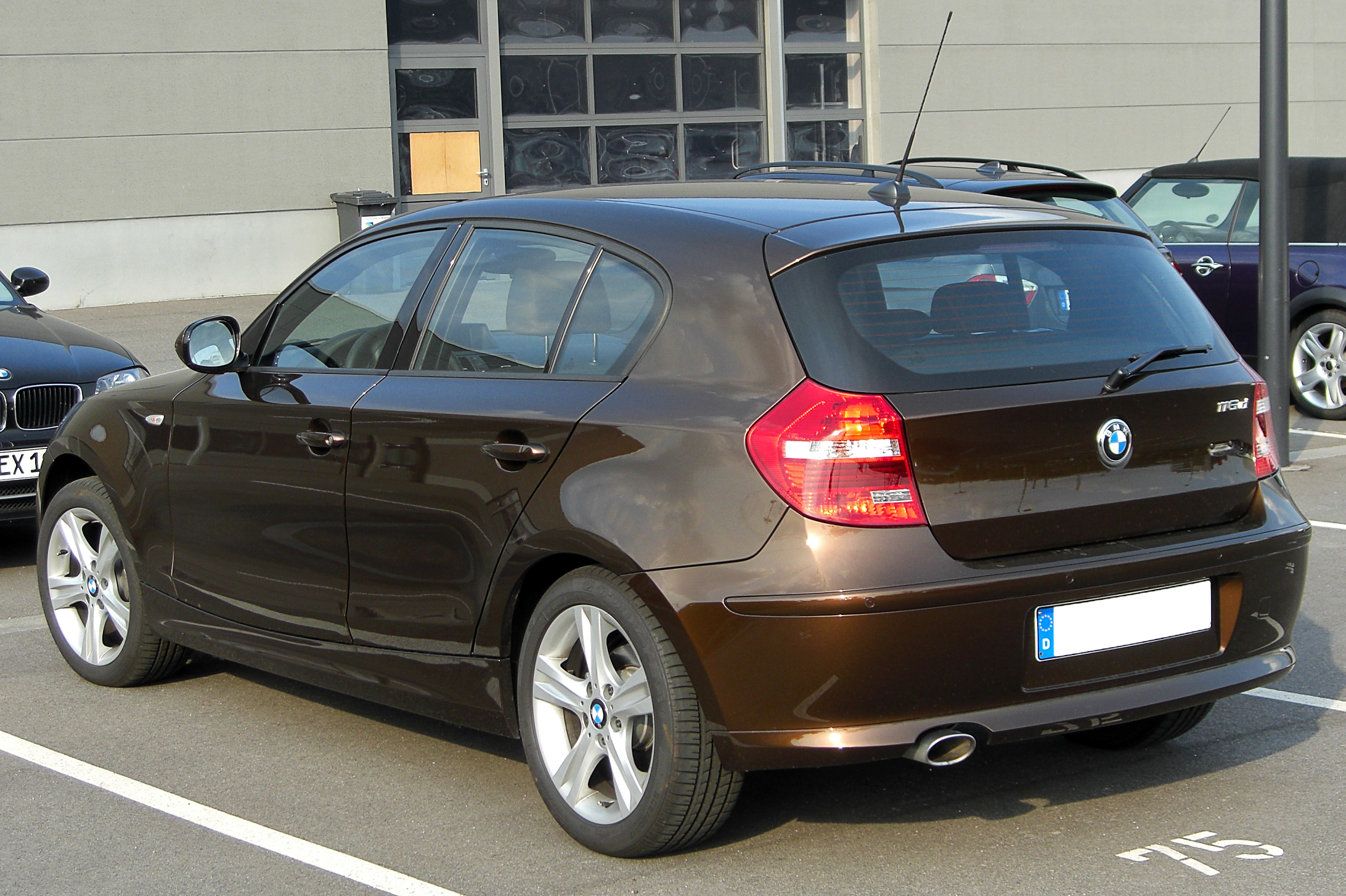 file bmw 116d e87 facelift rear wikimedia commons. Black Bedroom Furniture Sets. Home Design Ideas