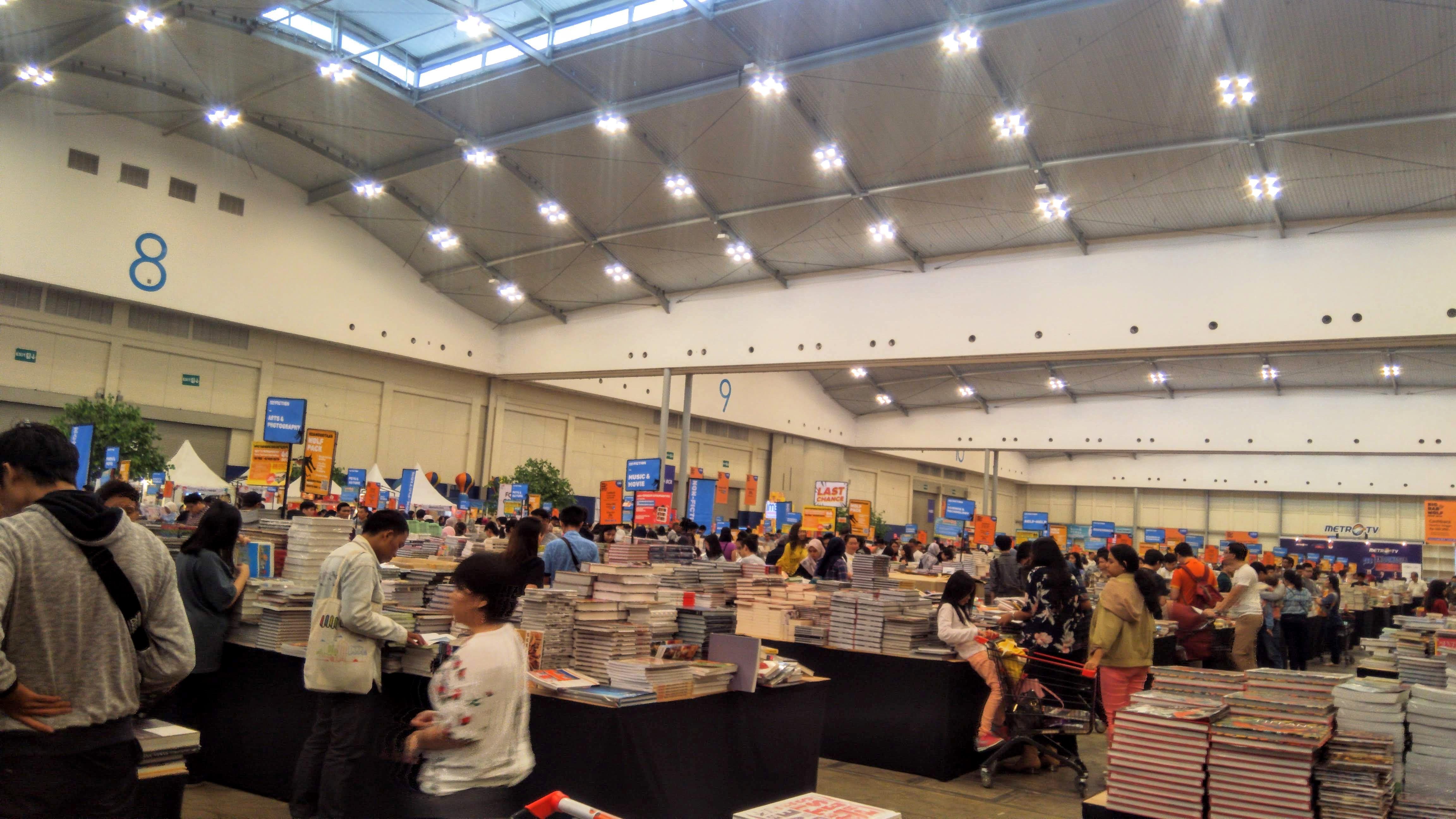 File Big Bad Wolf Books Jakarta 2019 Jpg Wikimedia Commons