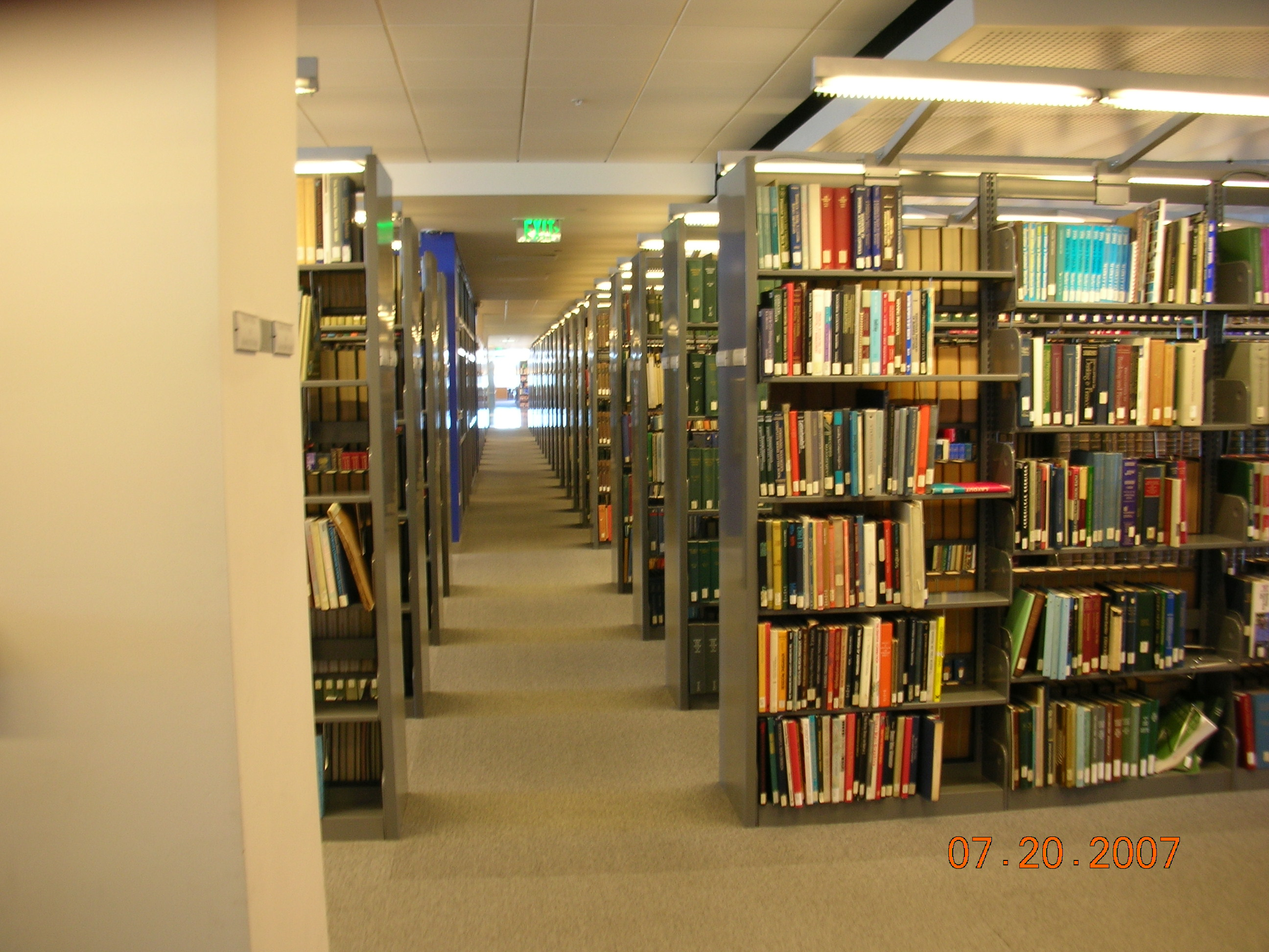 File Bookshelves On The Eighth Floor Of The Martin Luther King Jr Library Part Of San Jose