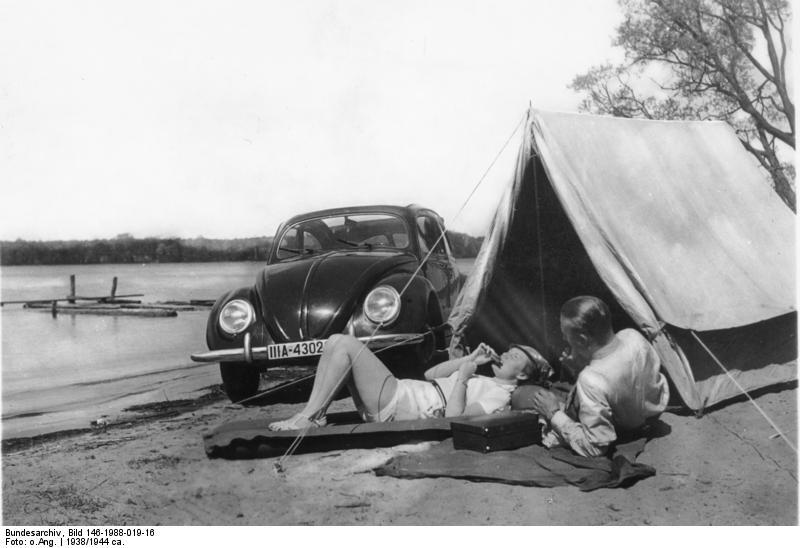 File:Bundesarchiv Bild 146-1988-019-16, Camping am See mit KdF-Wagen.jpg