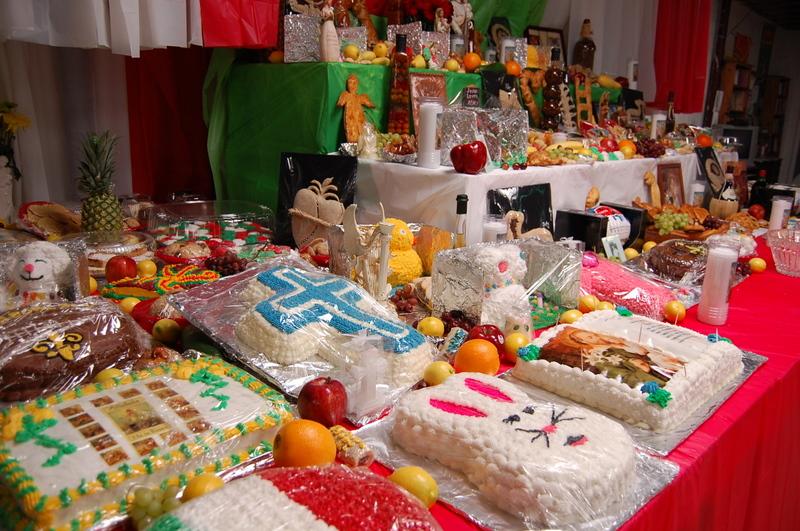 File:Community Center Arabi St Joseph Day Cakes.jpg