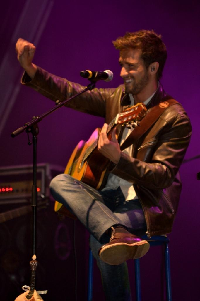 Pablo Alborán en 2012 durante su gira en Cantanhede, Portugal.