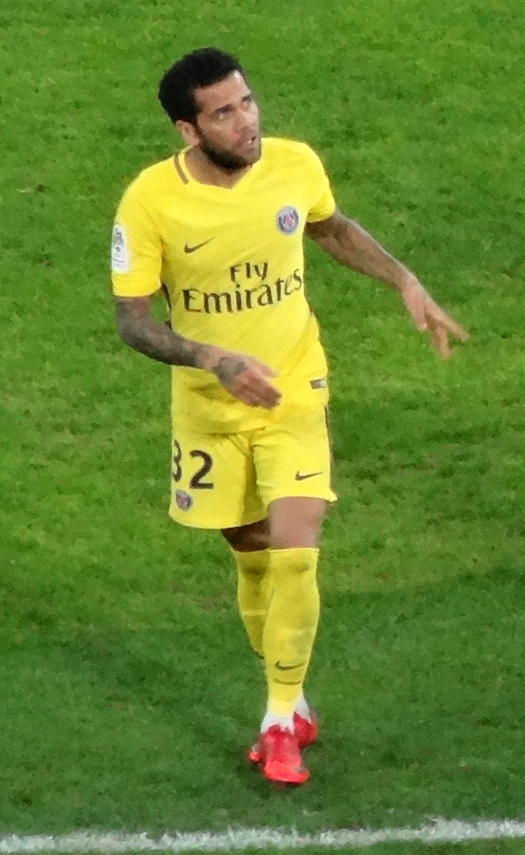 adb715815bf Dani Alves - Wikipedia