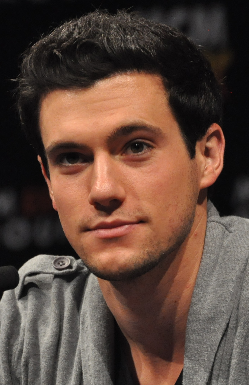 drew roy engaged