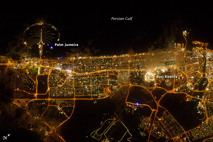 Dubai_night_astrophoto_labelled.jpg